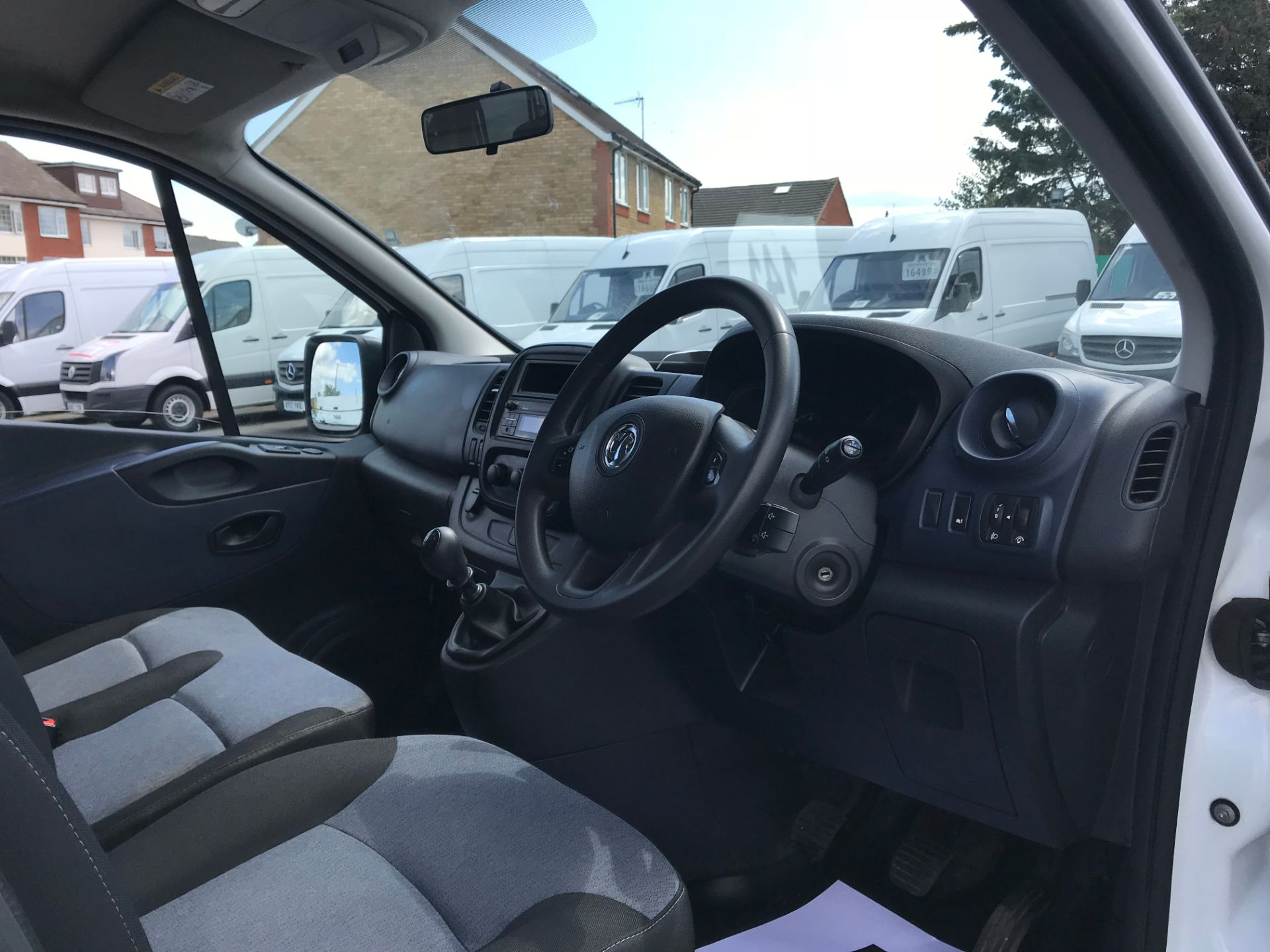 2015 Vauxhall Vivaro   L2 H1 2900 1.6 115PS COMBI 9 SEAT EURO 5 (DN15ZTM) Image 20