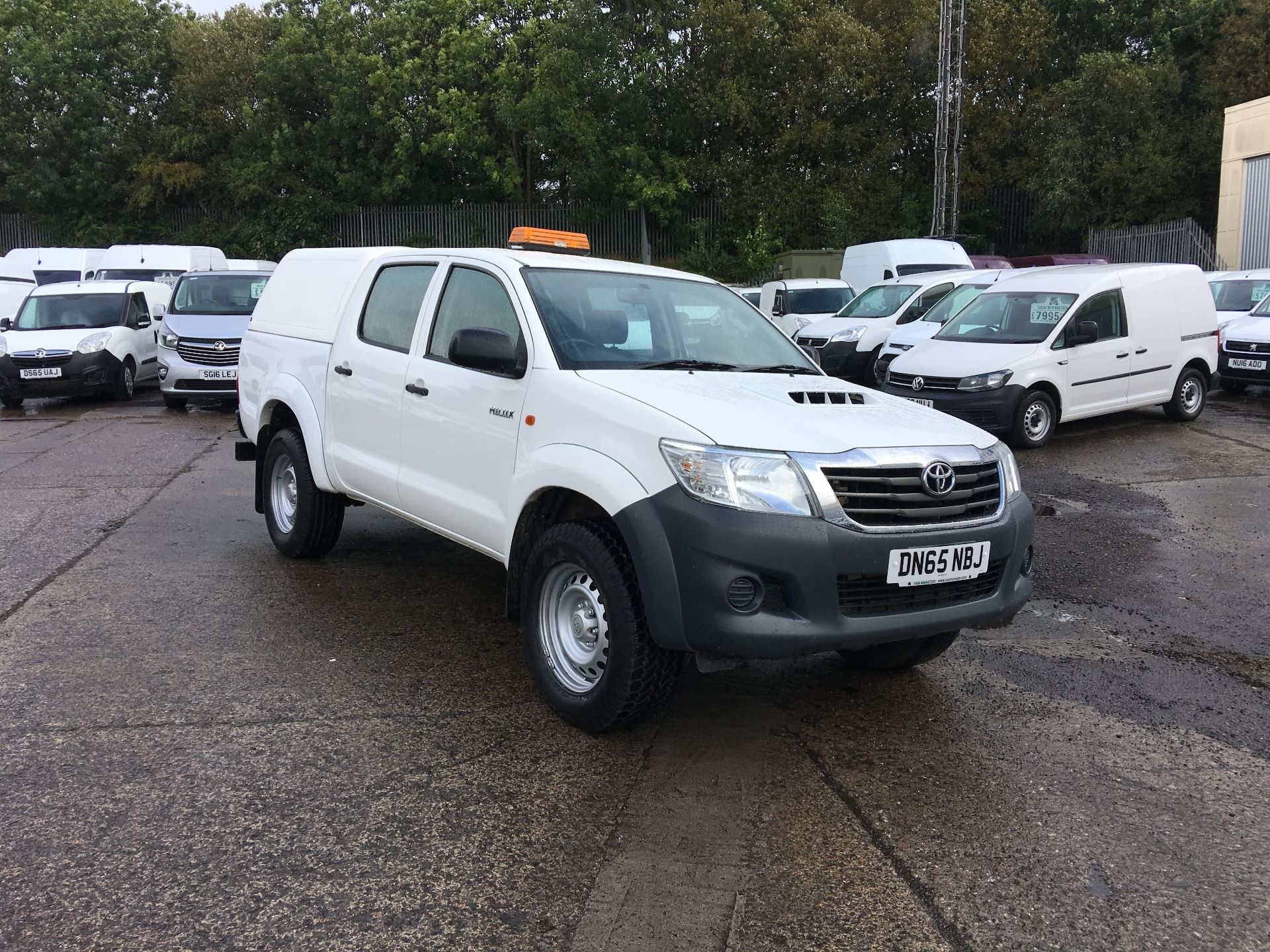 2015 Toyota Hilux DOUBLE CAB PICK UP 2.5 D4-D 4WD ACTIVE EURO 5 (DN65NBJ)