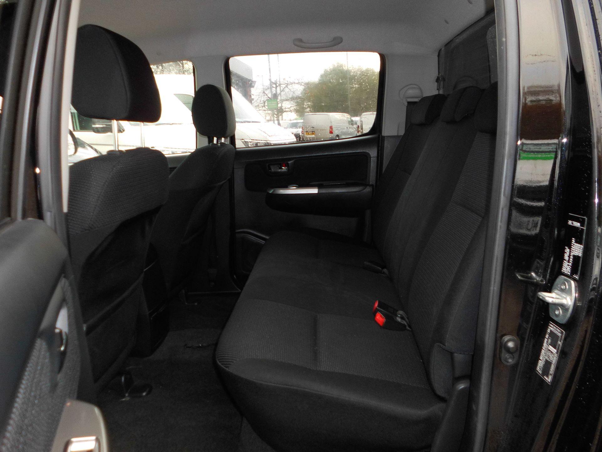 2016 Toyota Hilux Icon D/Cab Pick Up 2.5 D-4D 4Wd 144 (DN65NCO) Image 13