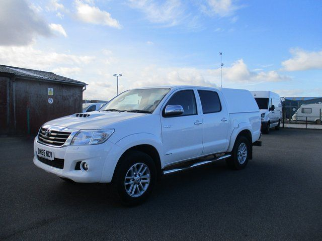 2016 Toyota Hilux DOUBLE CAB PICK UP 3.0 4WD 171 INVINCIBLE EURO 5. AIR CON, SAT NAV (DN65NCV) Image 10