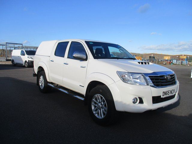 2016 Toyota Hilux DOUBLE CAB PICK UP 3.0 4WD 171 INVINCIBLE EURO 5. AIR CON, SAT NAV (DN65NCV) Image 1