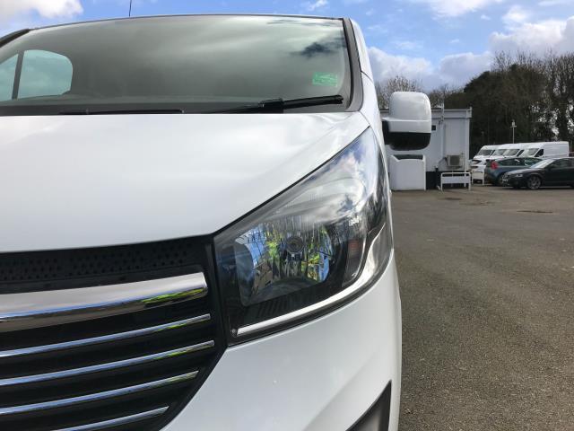 2017 Vauxhall Vivaro L2 H1 2900 1.6CDTI 120PS SPORTIVE EURO 6 (DN67TCK) Image 12