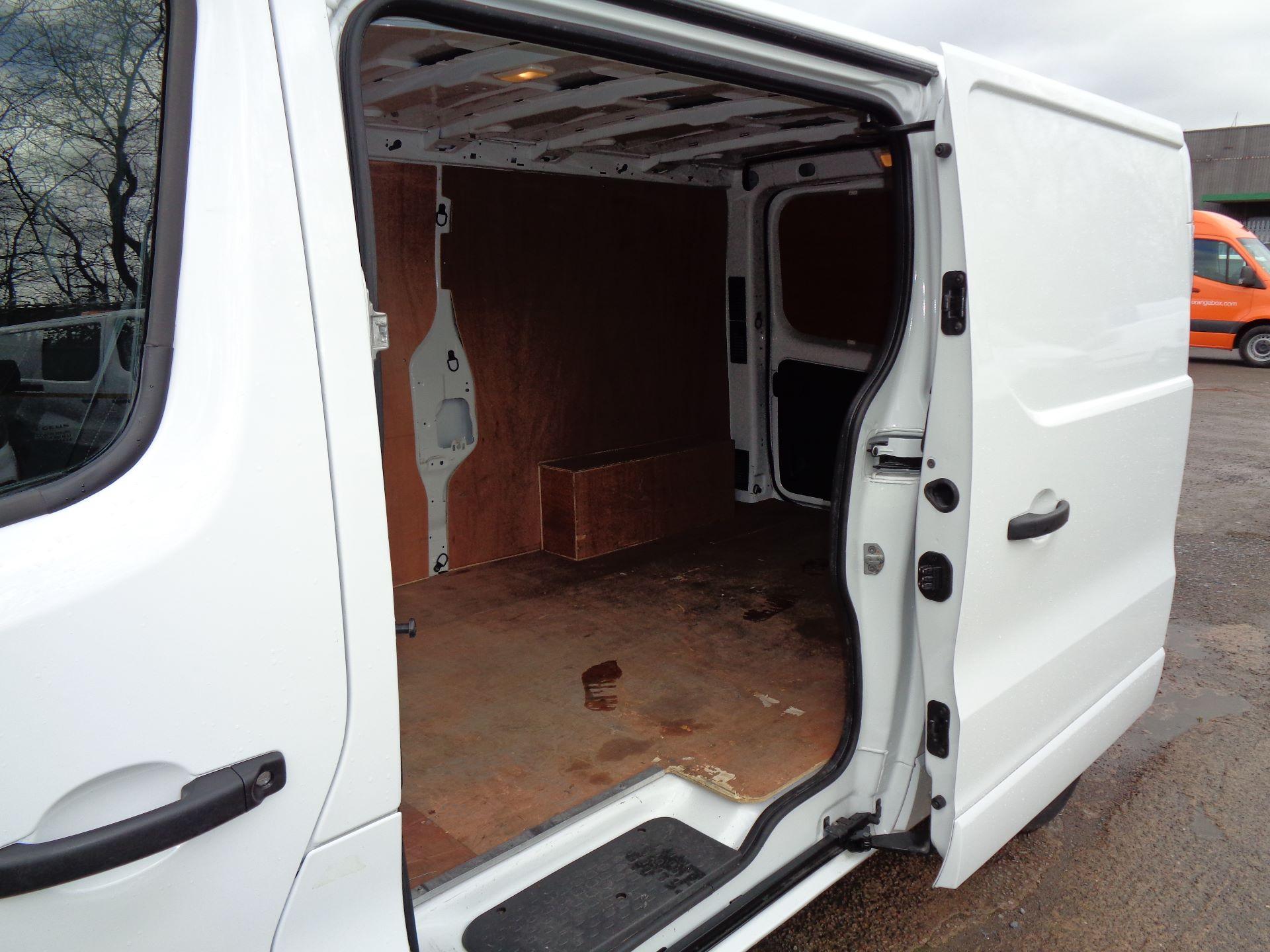 2017 Vauxhall Vivaro L2 H1 2900 1.6CDTI 120PS SPORTIVE EURO 6 (DN67TGO) Image 11
