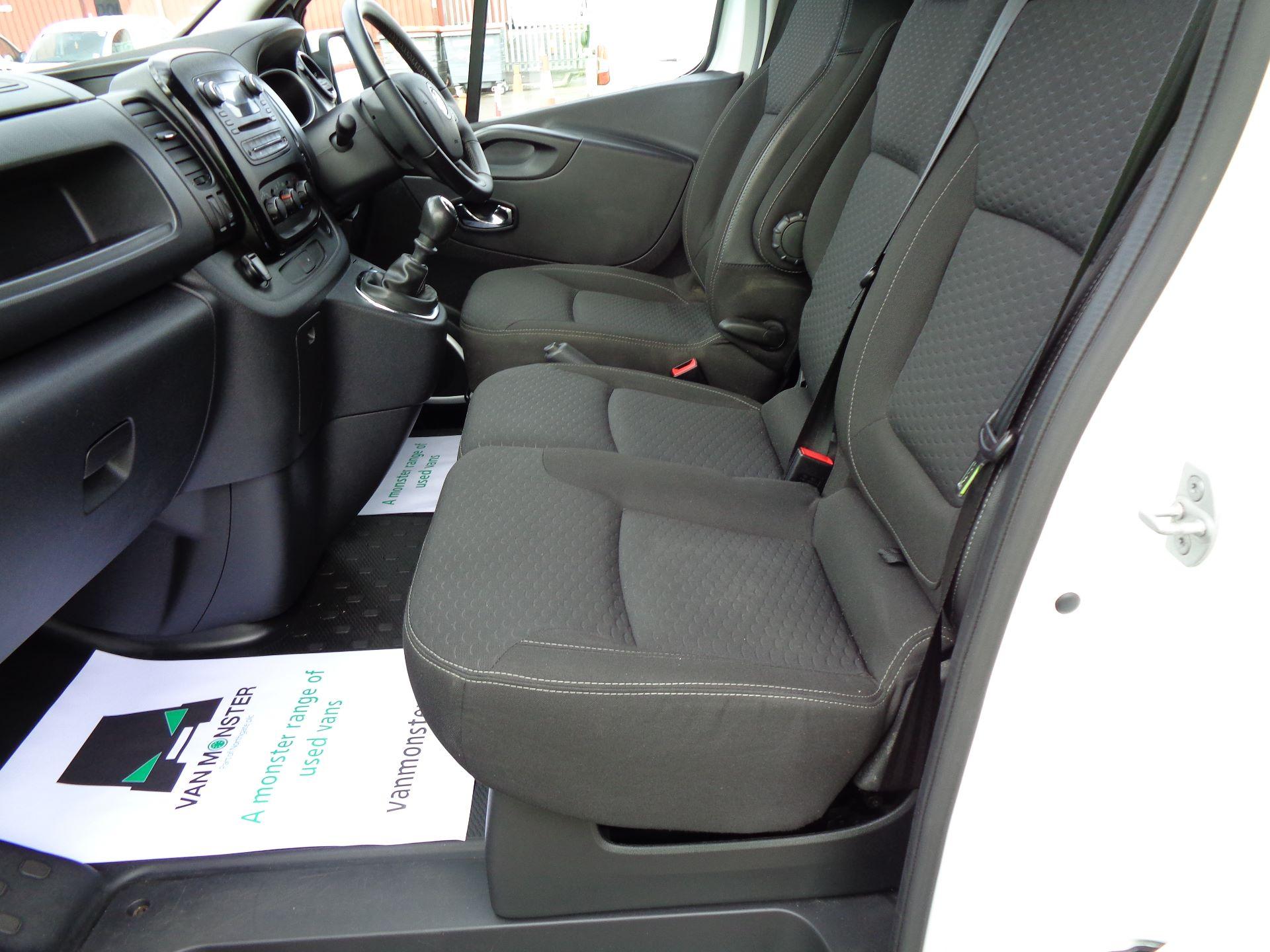 2017 Vauxhall Vivaro L2 H1 2900 1.6CDTI 120PS SPORTIVE EURO 6 (DN67TGO) Image 13