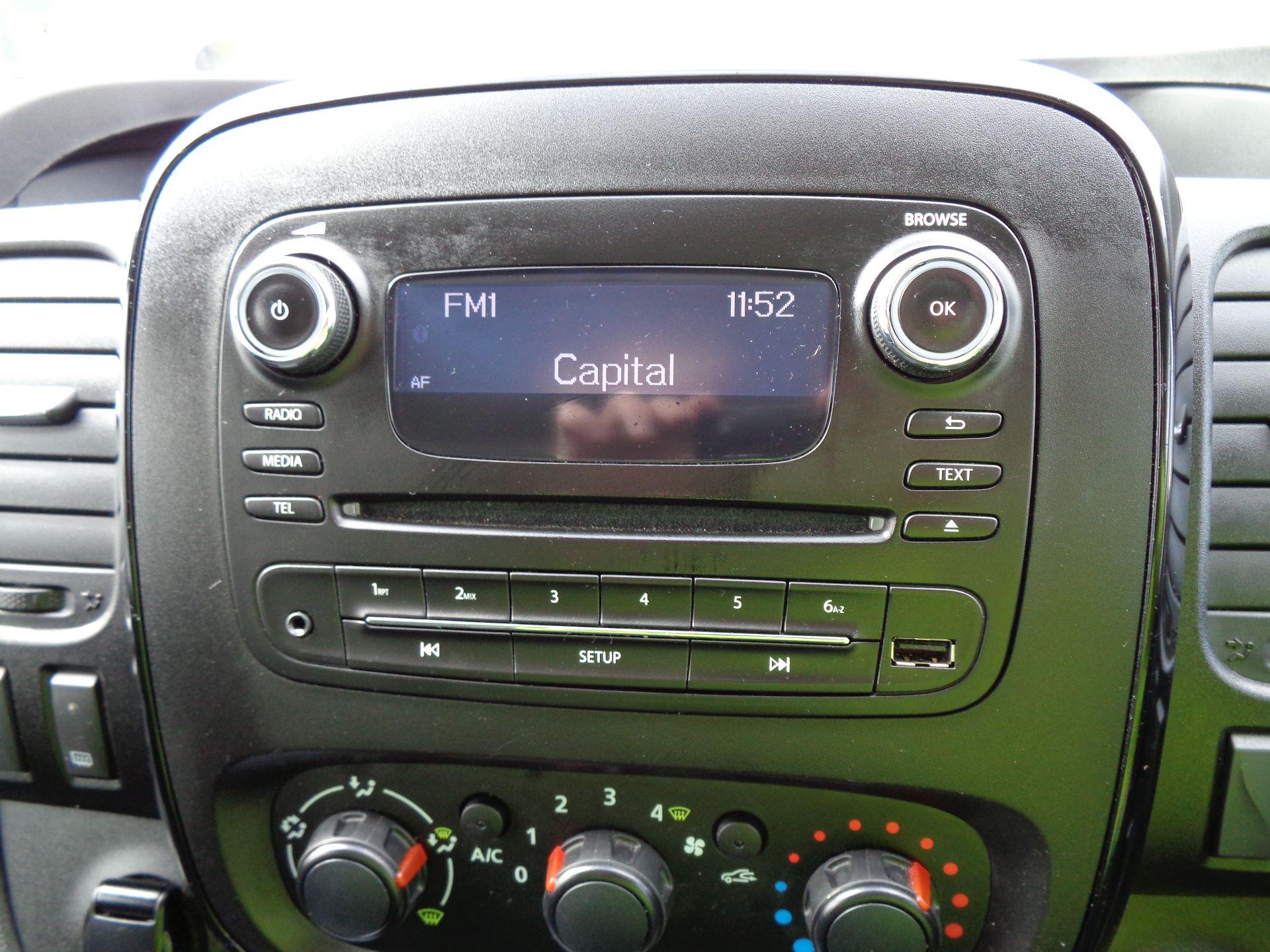 2017 Vauxhall Vivaro L2 H1 2900 1.6CDTI 120PS SPORTIVE EURO 6 (DN67TGO) Image 18