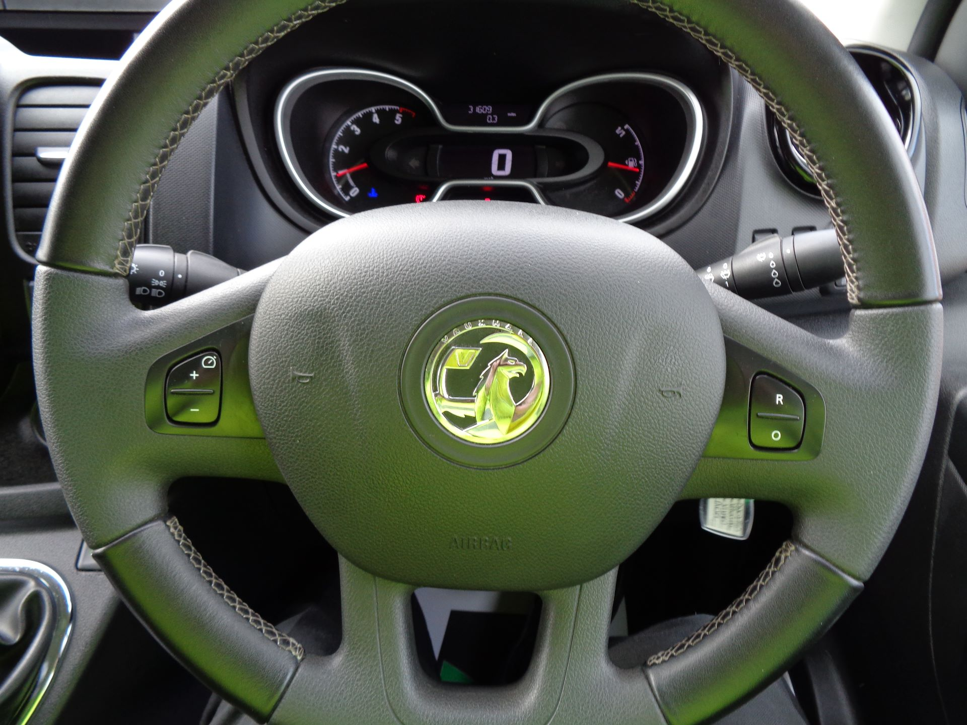 2017 Vauxhall Vivaro L2 H1 2900 1.6CDTI 120PS SPORTIVE EURO 6 (DN67TGO) Image 16