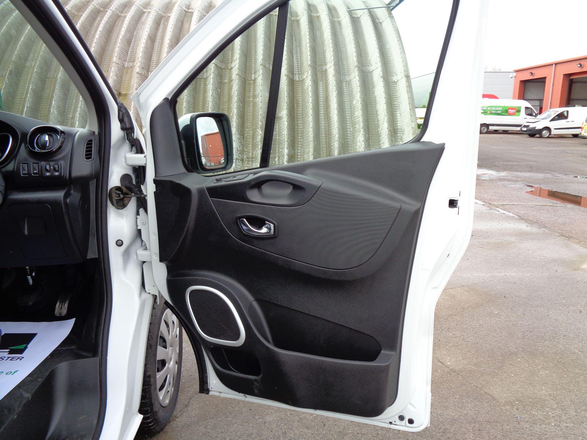 2017 Vauxhall Vivaro L2 H1 2900 1.6CDTI 120PS SPORTIVE EURO 6 (DN67TGO) Image 14