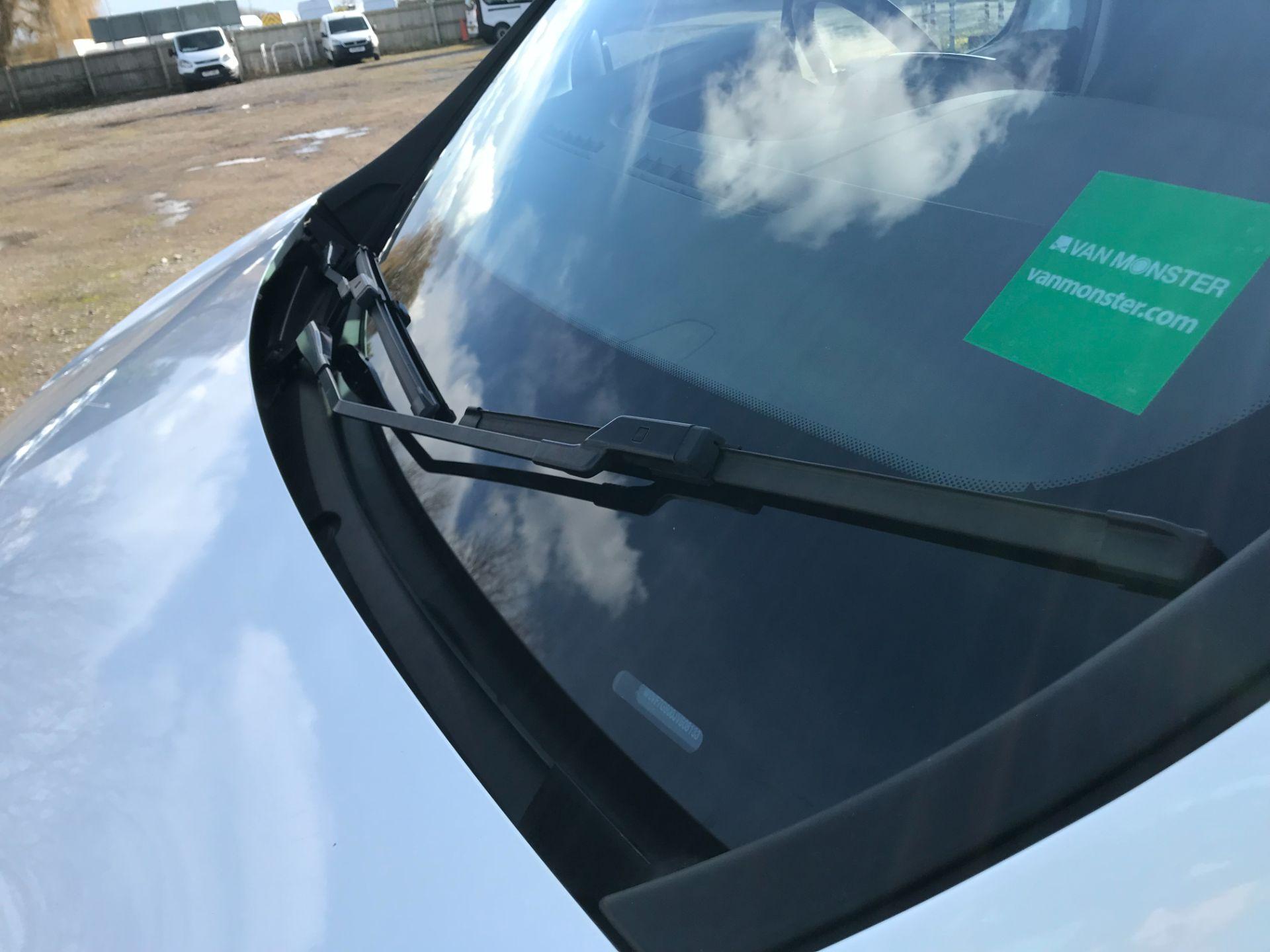 2017 Vauxhall Vivaro L2 H1 2900 1.6CDTI 120PS SPORTIVE EURO 6 *LIMITED 70MPH* (DN67TKK) Image 31