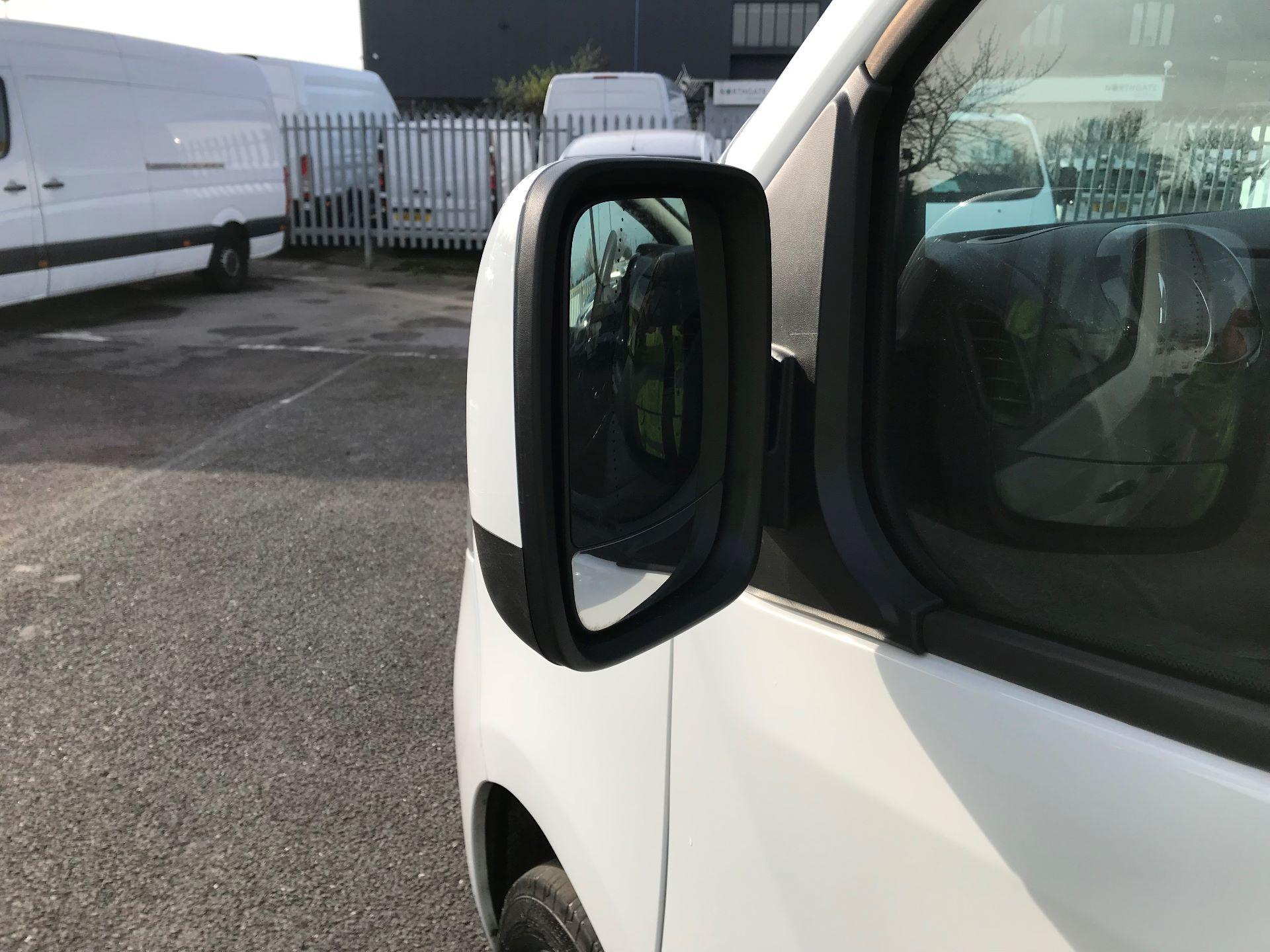 2017 Vauxhall Vivaro  L2 H1 2900 1.6 CDTI 120PS SPORTIVE EURO 6 (DN67TLV) Image 12