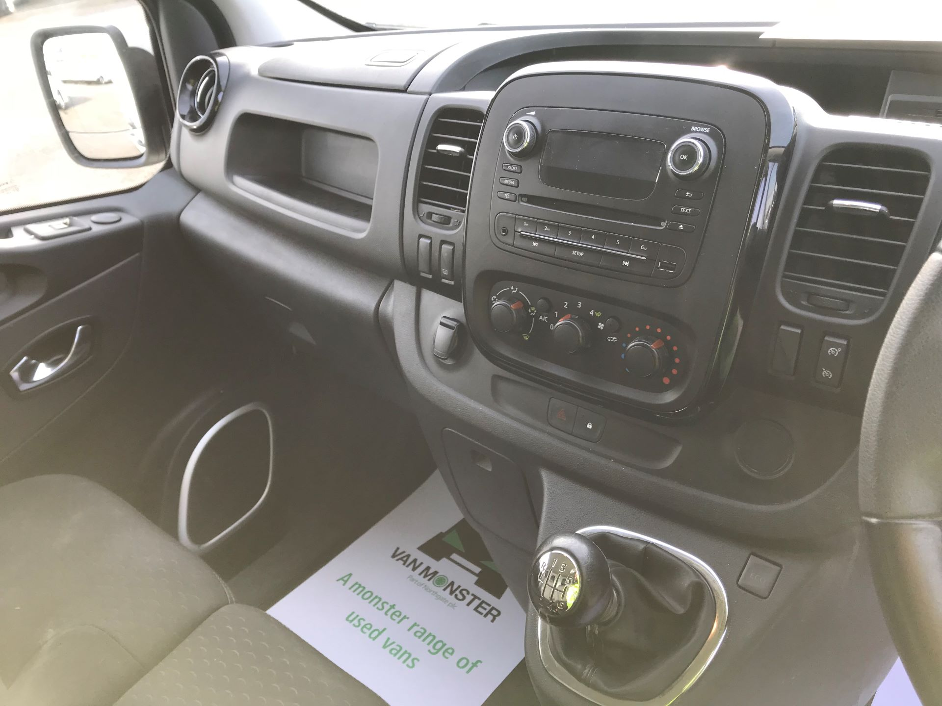 2017 Vauxhall Vivaro  L2 H1 2900 1.6 CDTI 120PS SPORTIVE EURO 6 (DN67TLV) Image 25