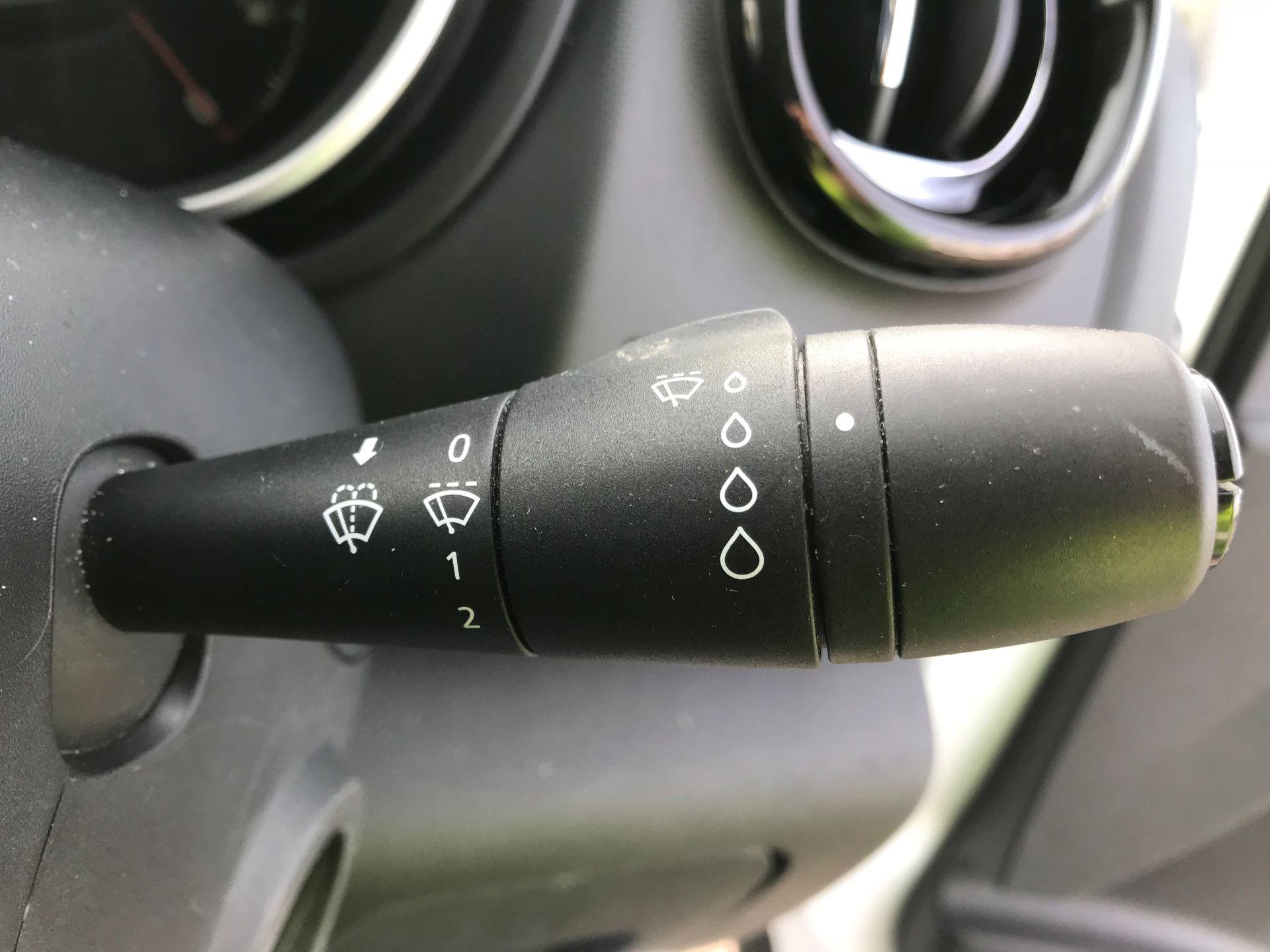 2017 Vauxhall Vivaro  L2 H1 2900 1.6 CDTI 120PS SPORTIVE EURO 6 (DN67TLV) Image 28