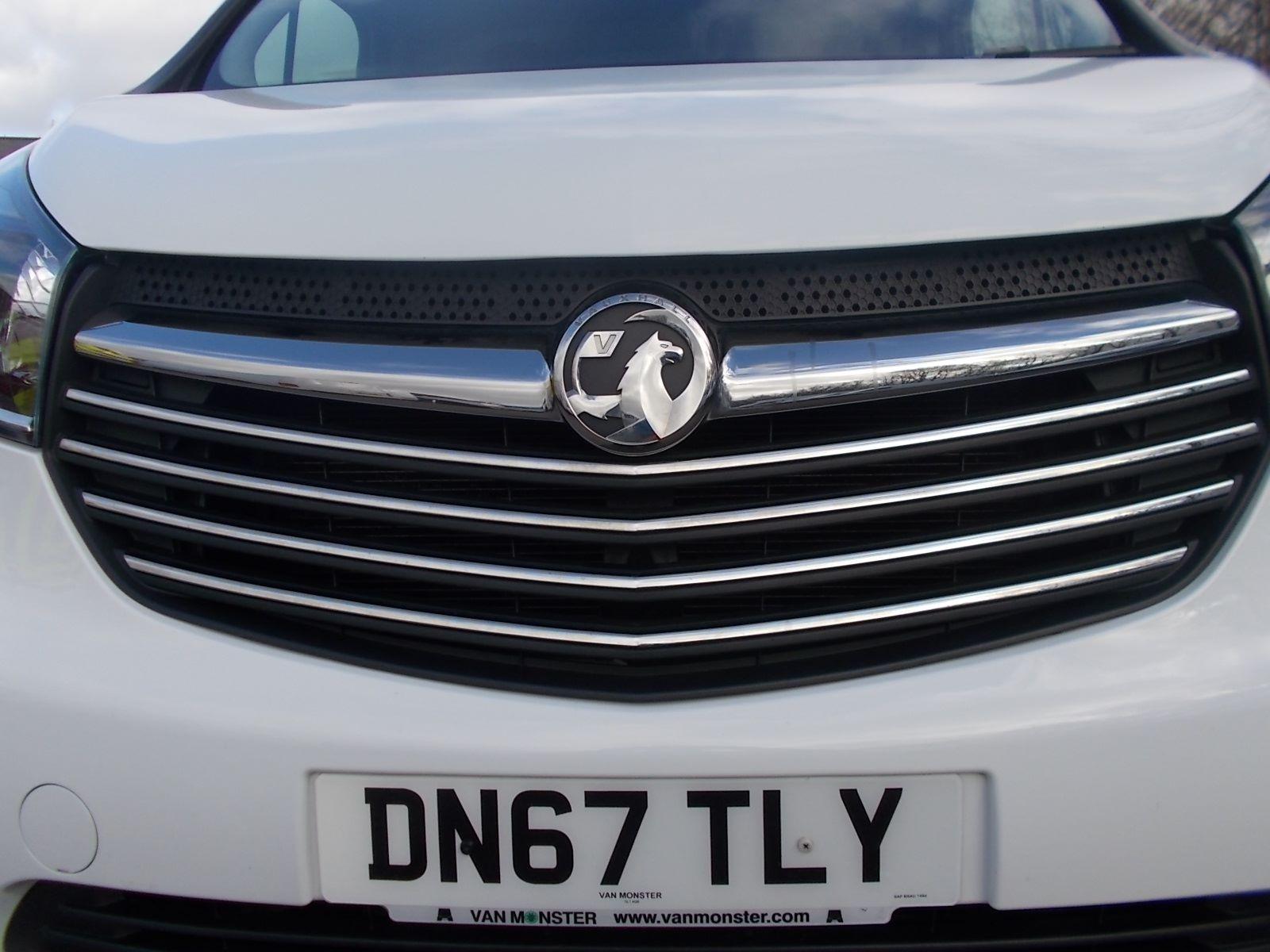 2017 Vauxhall Vivaro L2 H1 2900 1.6CDTI 120PS SPORTIVE EURO 6 (DN67TLY) Image 23