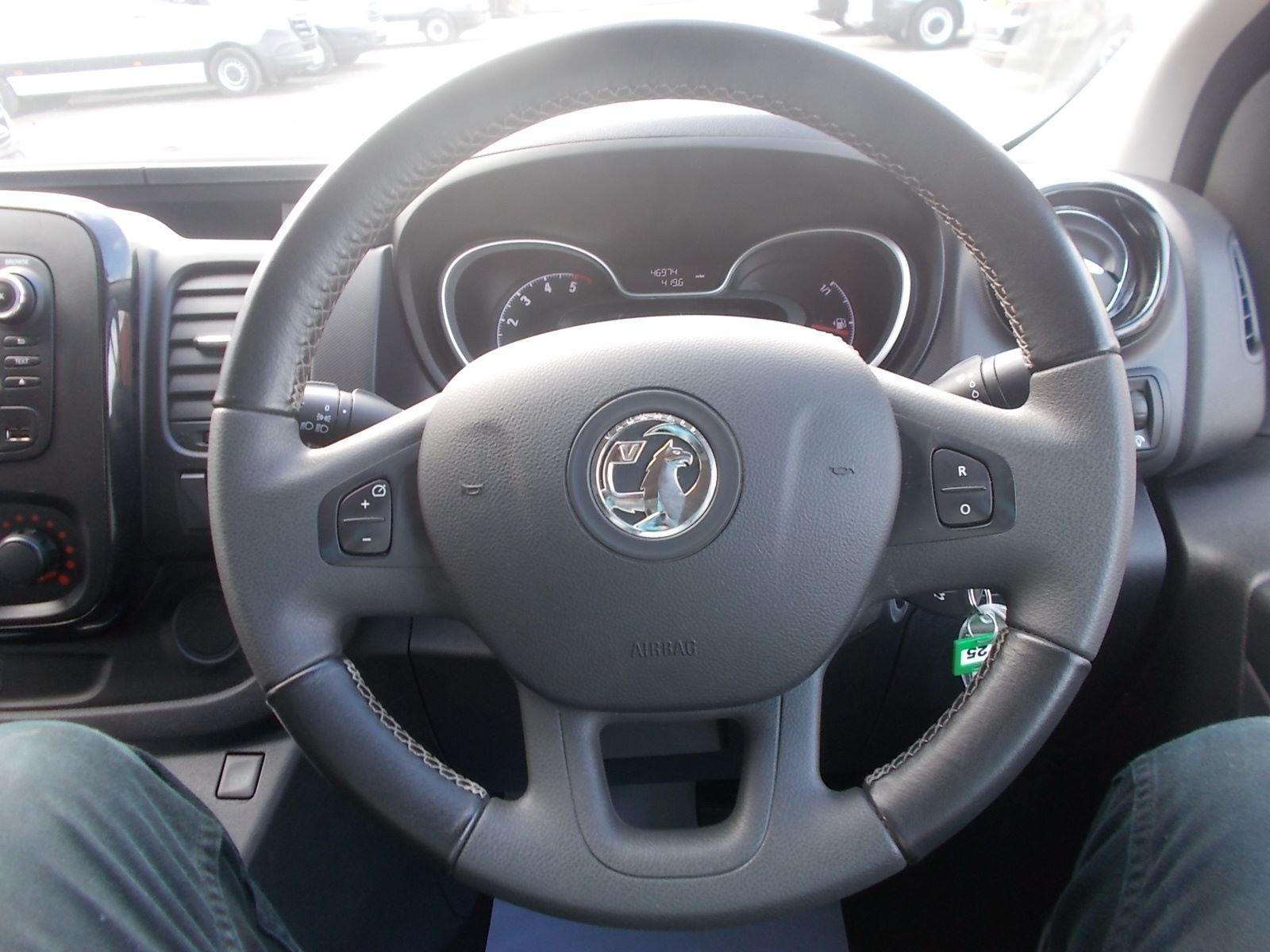 2017 Vauxhall Vivaro L2 H1 2900 1.6CDTI 120PS SPORTIVE EURO 6 (DN67TLY) Image 15