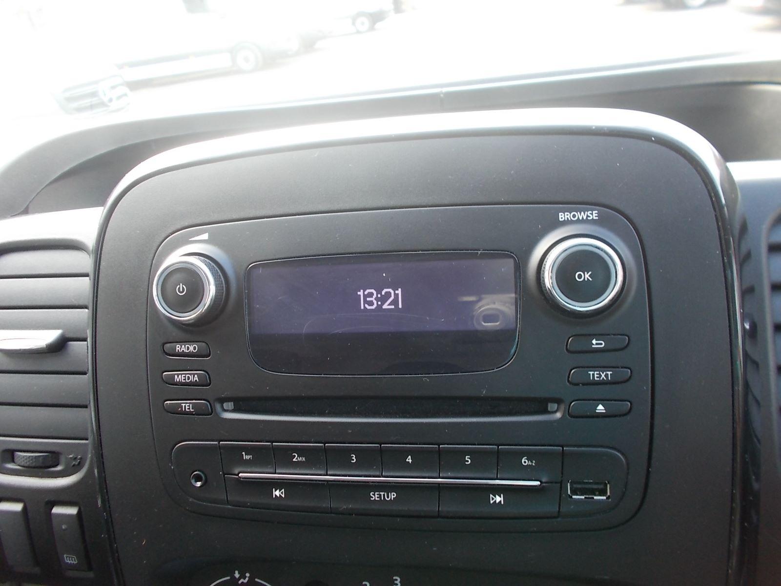2017 Vauxhall Vivaro L2 H1 2900 1.6CDTI 120PS SPORTIVE EURO 6 (DN67TLY) Image 18