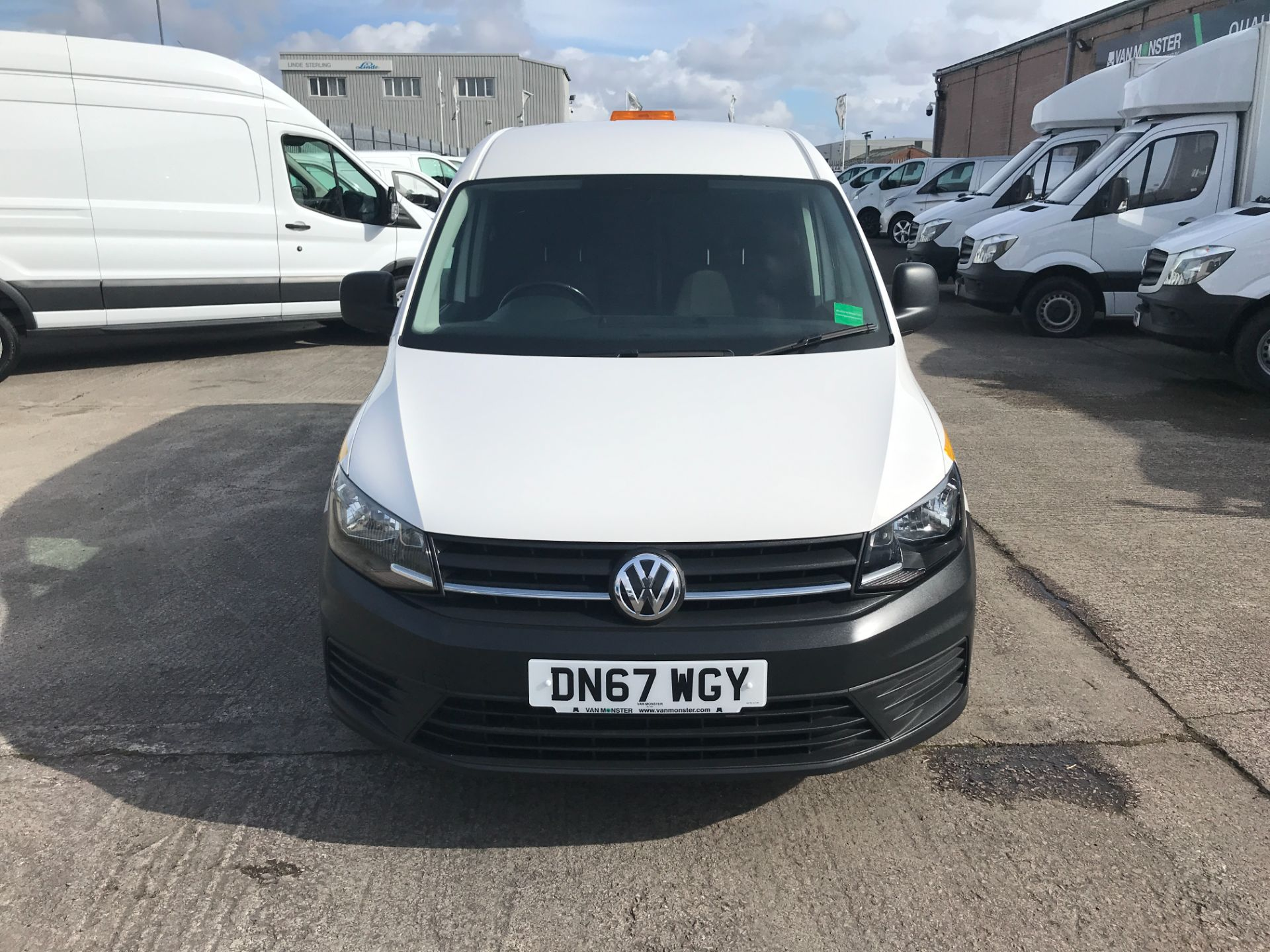 2017 Volkswagen Caddy Maxi 2.0TDI BLUEMOTION TECH 102PS STARTLINE EURO 6 (DN67WGY) Image 2