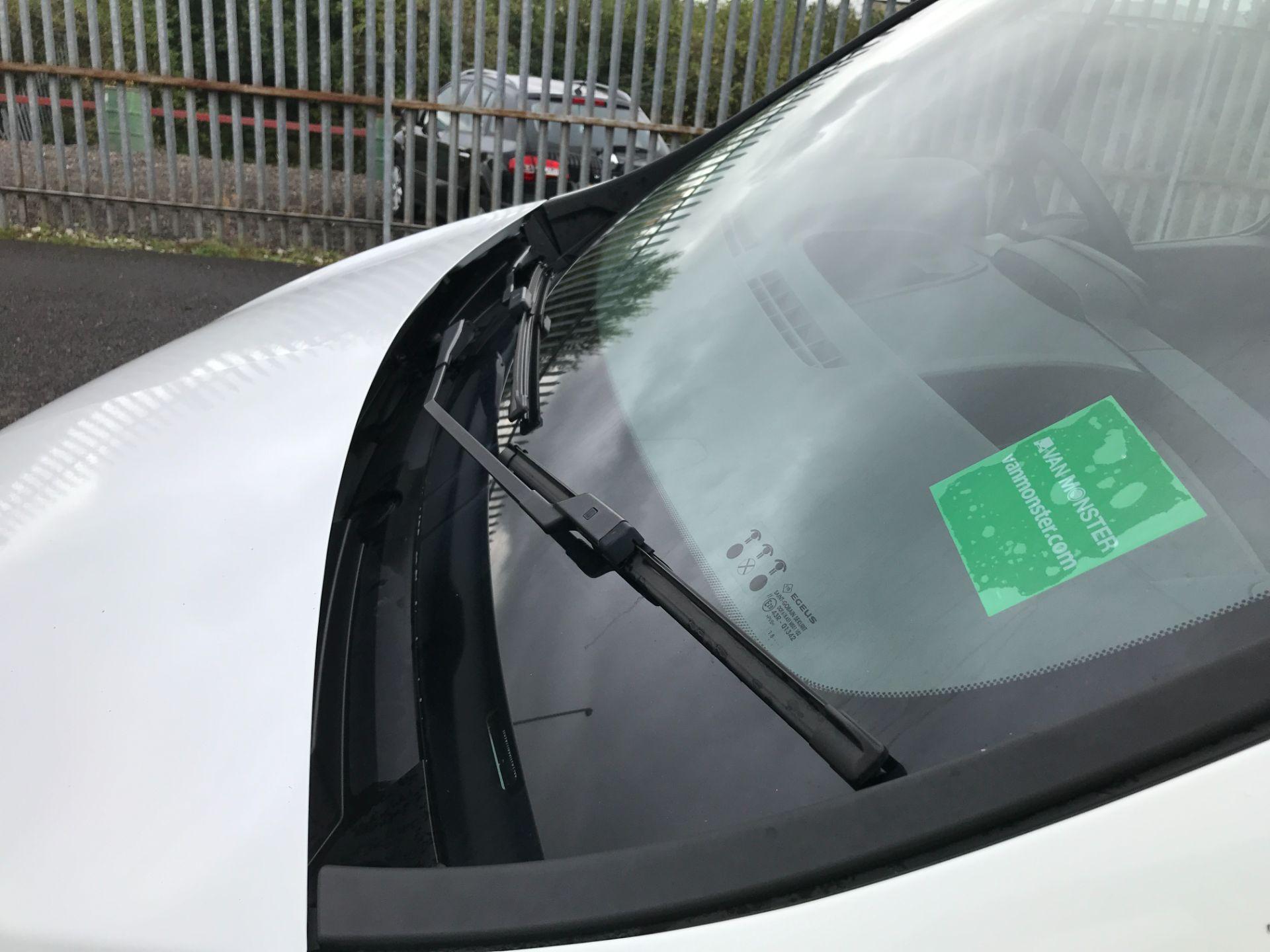 2018 Vauxhall Vivaro 2900 L2 H1 1.6CDTI 120PS  9 SEAT MINIBUS EURO 6 (DN68TVD) Image 31