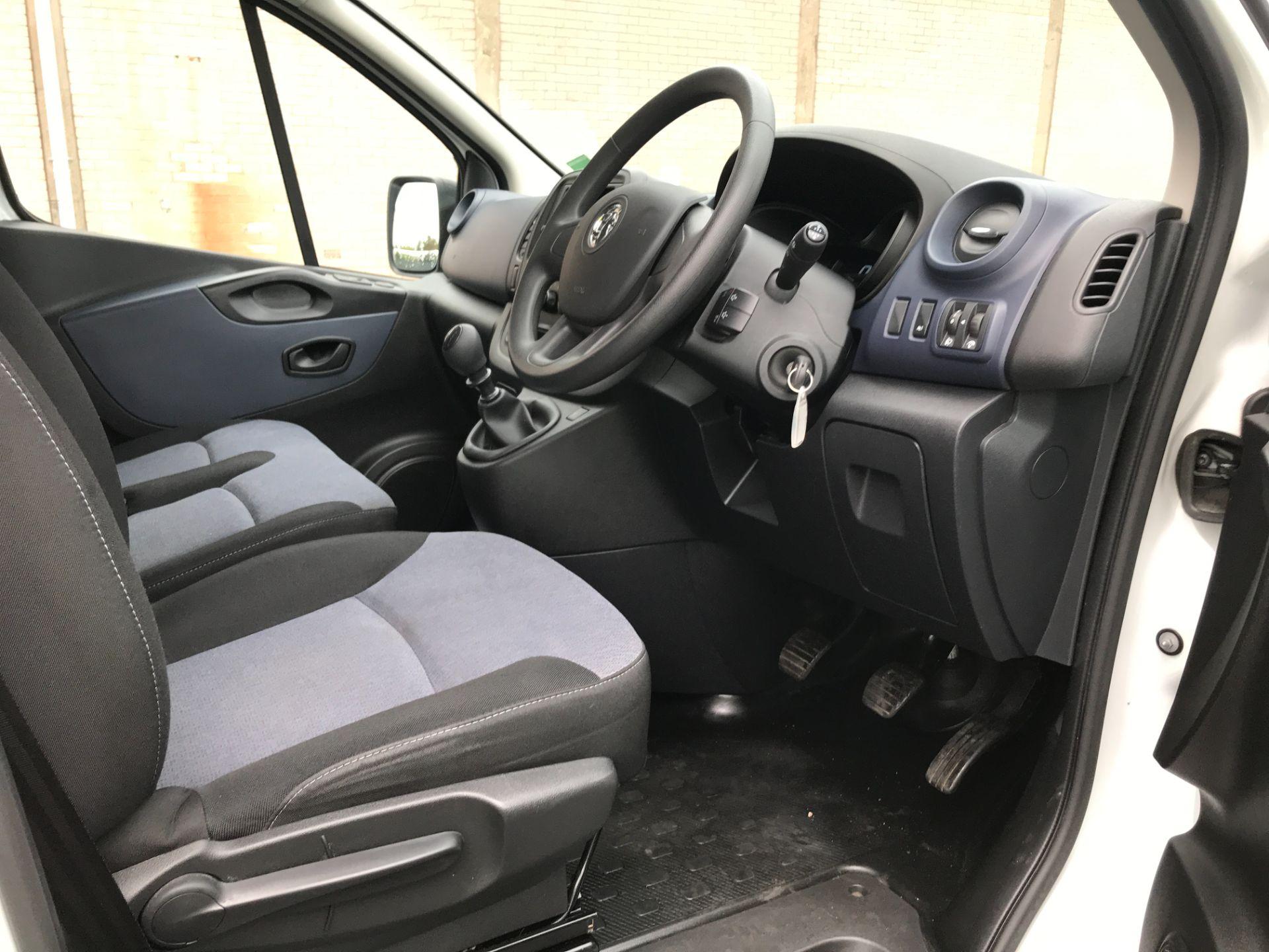 2018 Vauxhall Vivaro 2900 L2 H1 1.6CDTI 120PS  9 SEAT MINIBUS EURO 6 (DN68TVD) Image 16