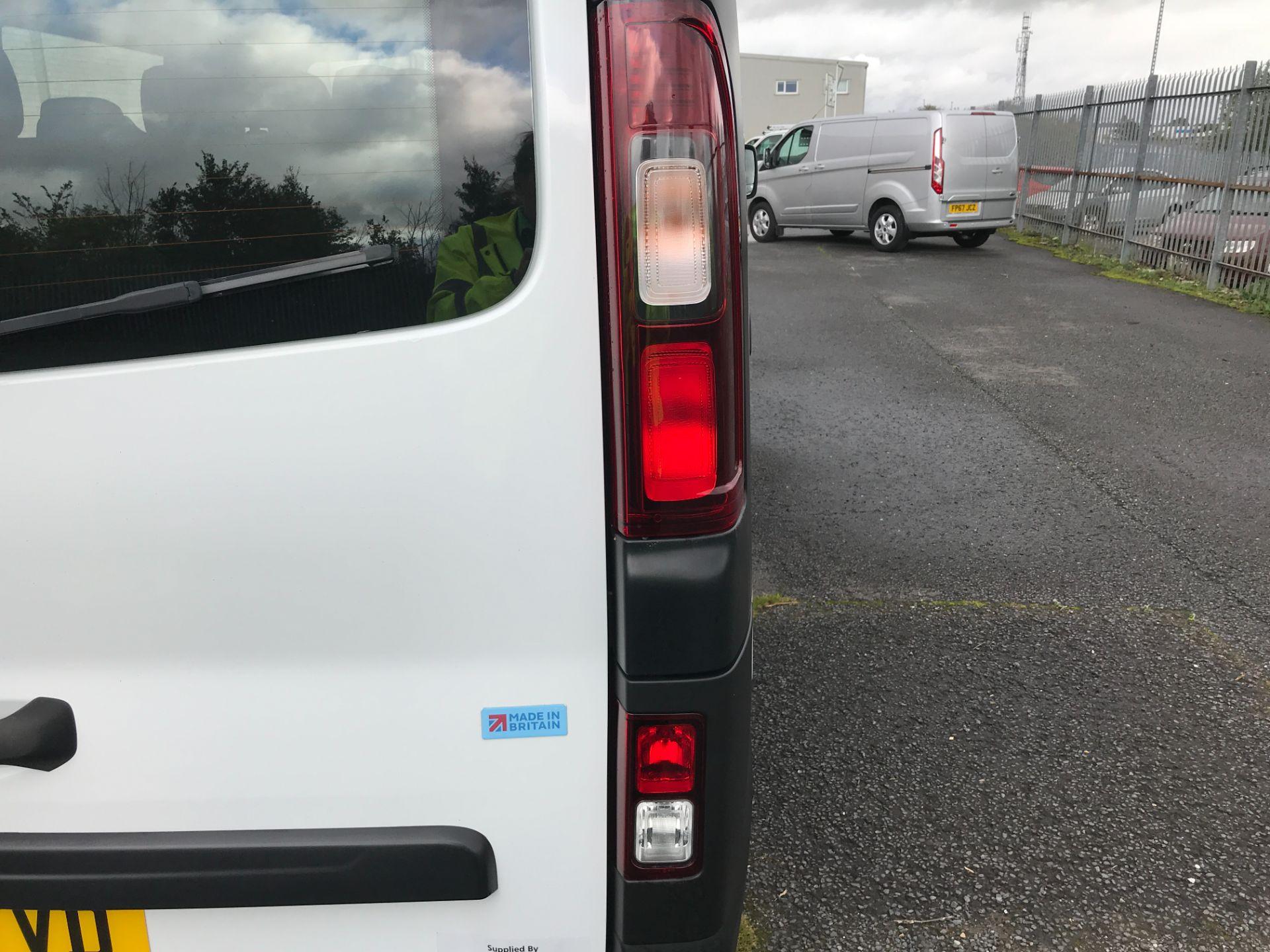 2018 Vauxhall Vivaro 2900 L2 H1 1.6CDTI 120PS  9 SEAT MINIBUS EURO 6 (DN68TVD) Image 30