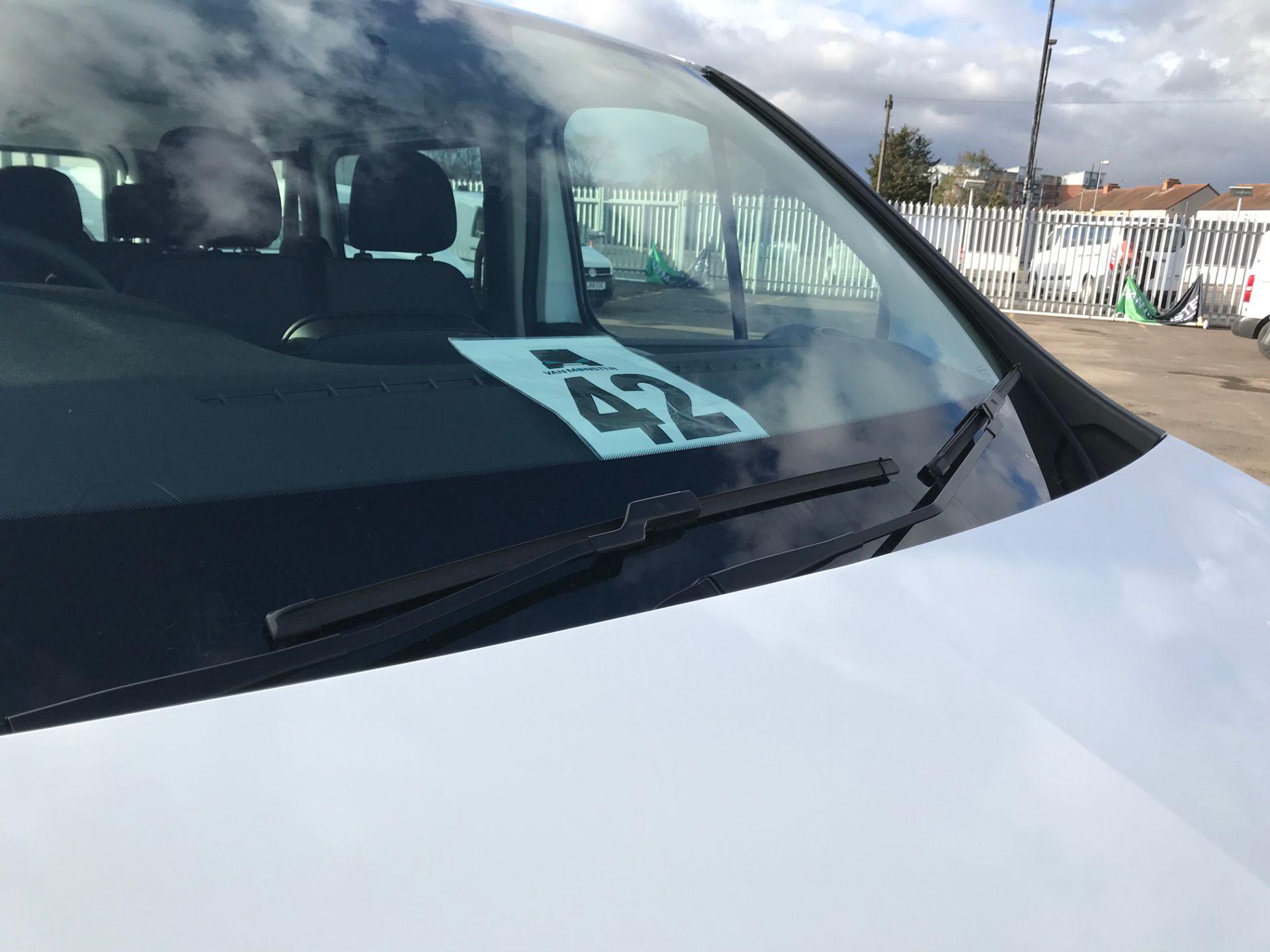 2018 Vauxhall Vivaro 2900 1.6Cdti 120Ps H1 Combi 9 Seat (DN68TWG) Image 17