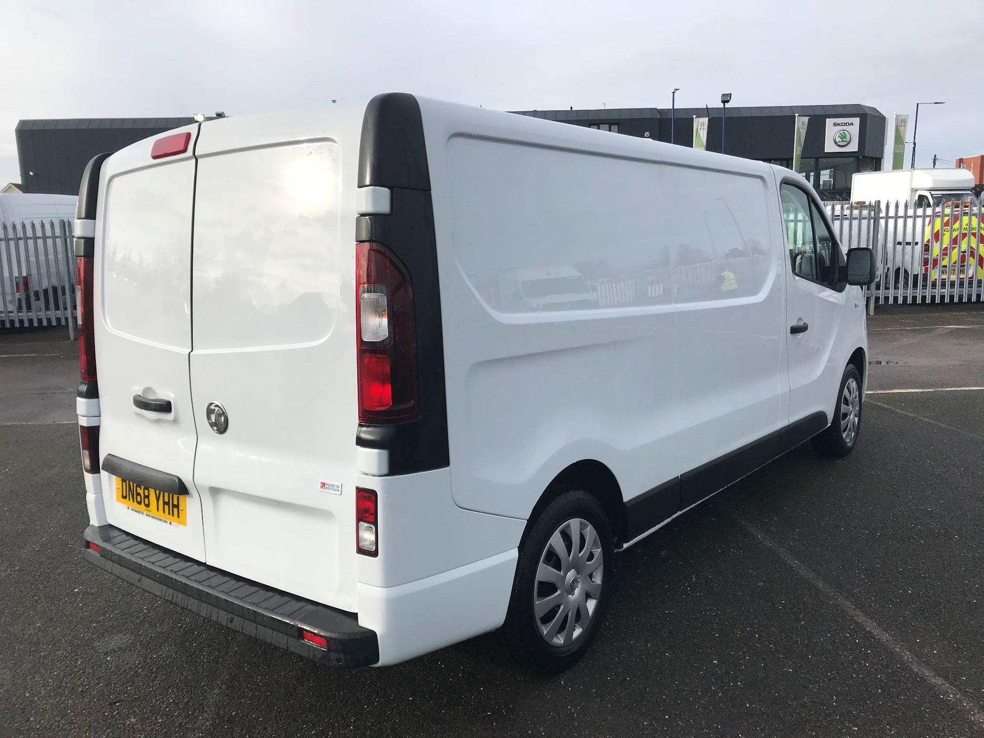 2018 Vauxhall Vivaro  L2 H1 2900 1.6 CDTI 120PS SPORTIVE EURO 6 (DN68YHH) Image 4