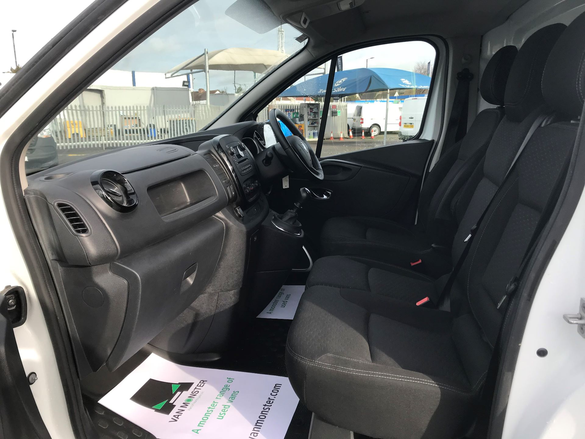 2018 Vauxhall Vivaro  L2 H1 2900 1.6 CDTI 120PS SPORTIVE EURO 6 (DN68YHH) Image 20