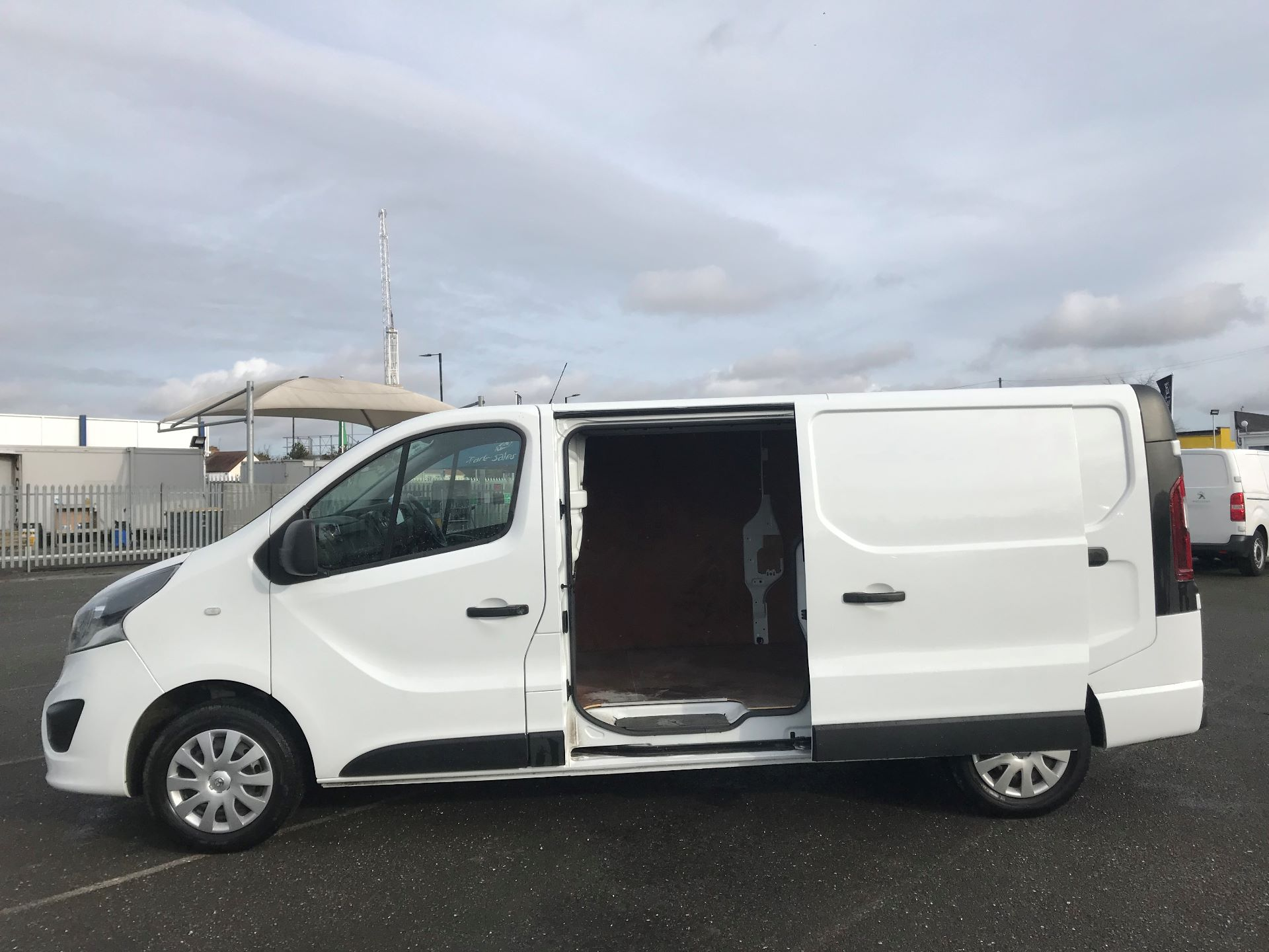 2018 Vauxhall Vivaro  L2 H1 2900 1.6 CDTI 120PS SPORTIVE EURO 6 (DN68YHH) Image 11