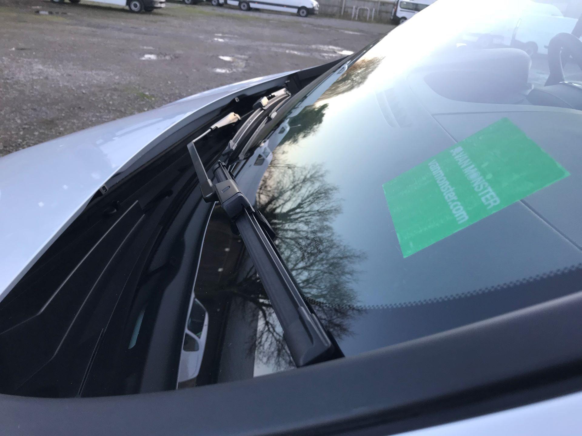 2018 Vauxhall Vivaro L2 H1 2900 1.6CDTI 120PS SPORTIVE EURO 6 (DN68YLJ) Image 19