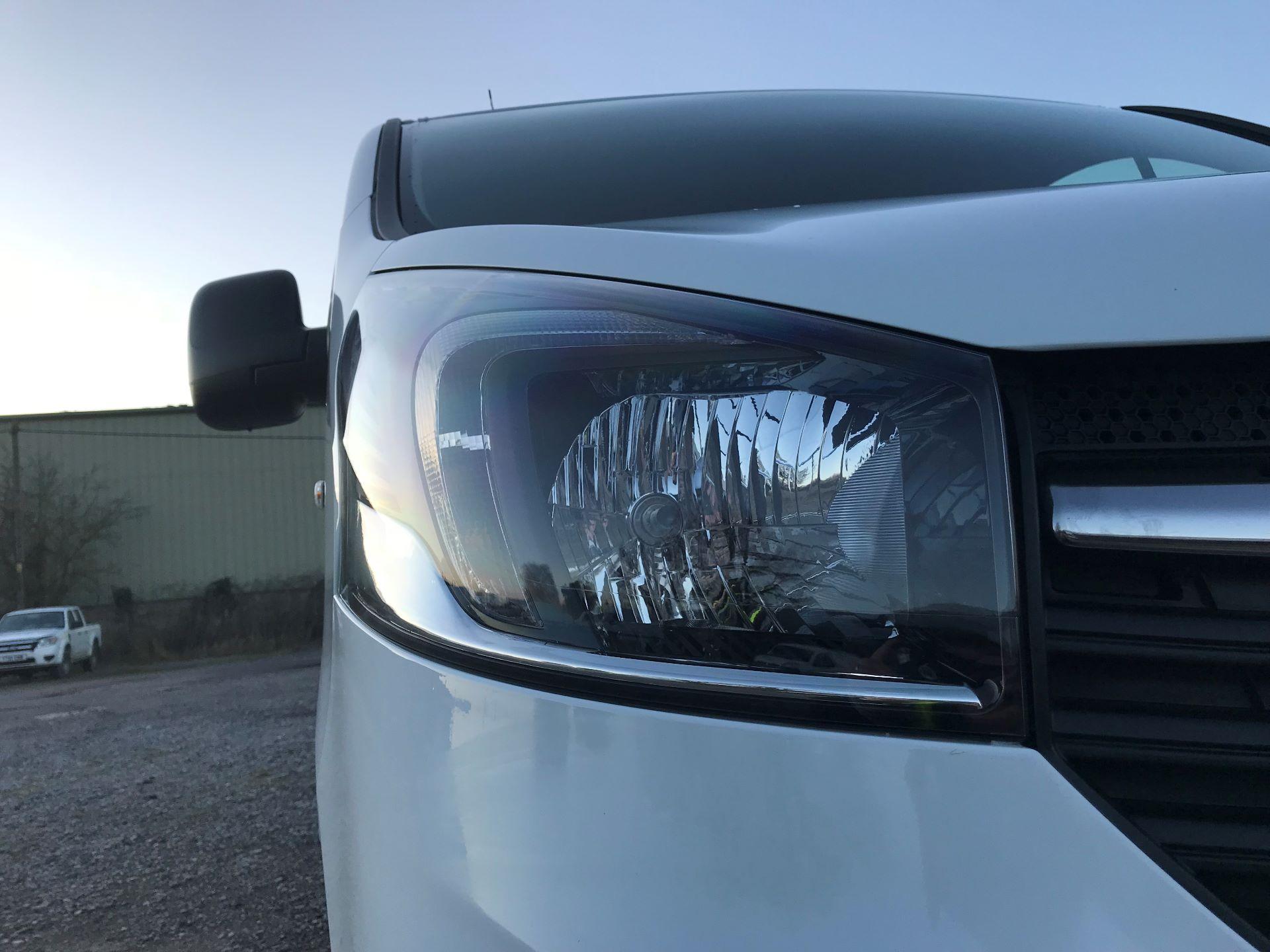 2018 Vauxhall Vivaro L2 H1 2900 1.6CDTI 120PS SPORTIVE EURO 6 (DN68YLJ) Image 17
