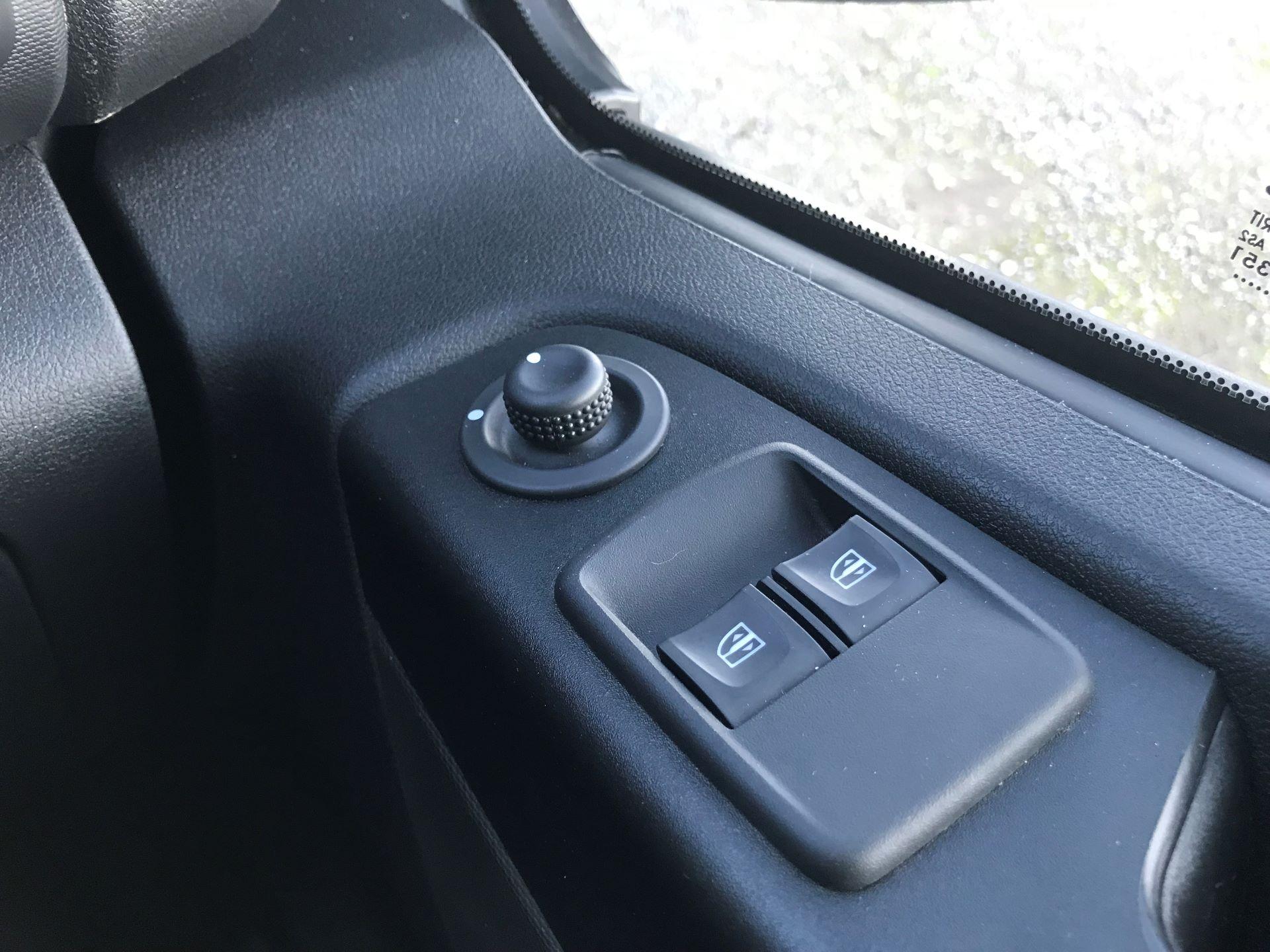 2018 Vauxhall Vivaro L2 H1 2900 1.6CDTI 120PS SPORTIVE EURO 6 (DN68YLJ) Image 30