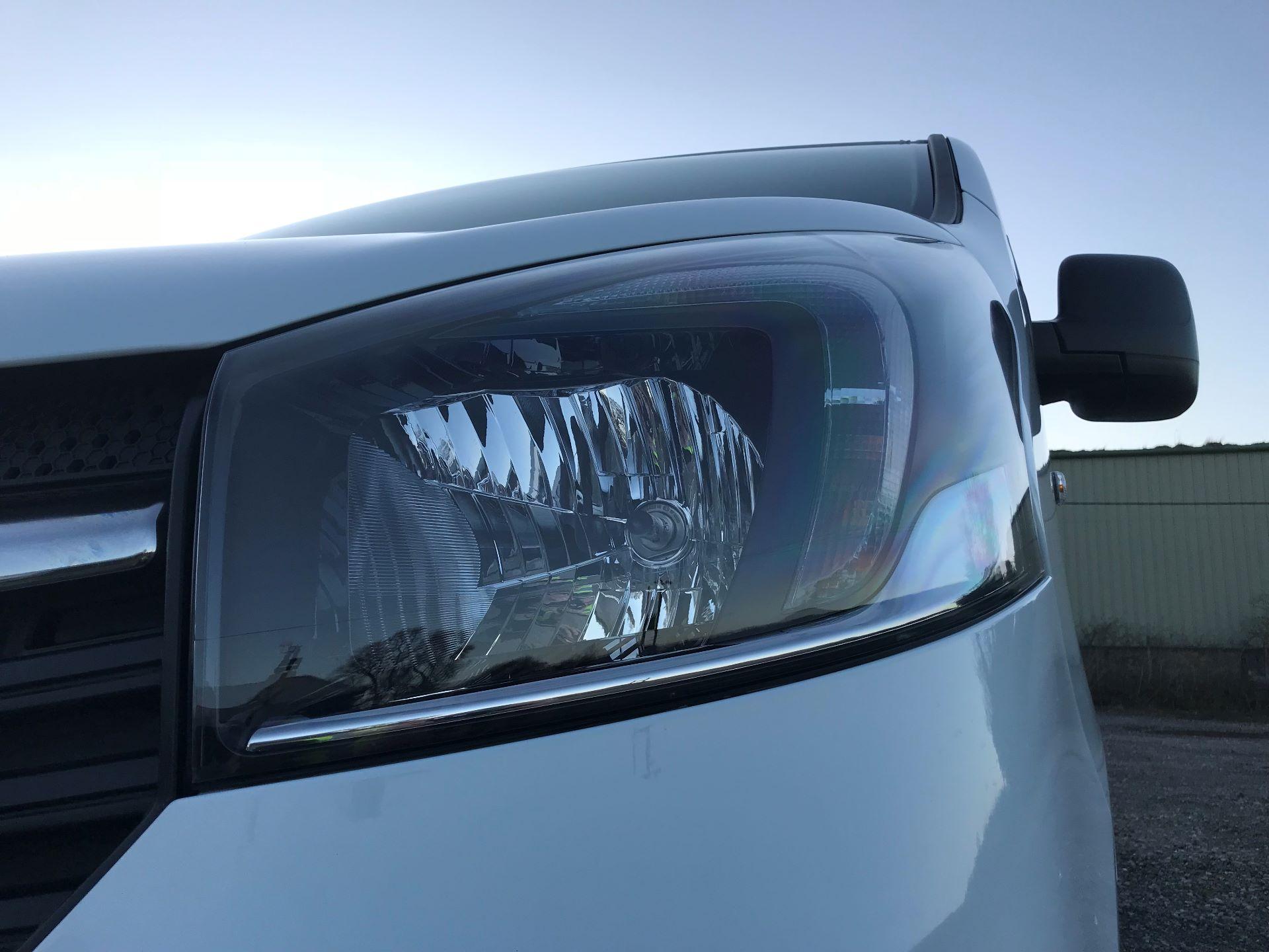 2018 Vauxhall Vivaro L2 H1 2900 1.6CDTI 120PS SPORTIVE EURO 6 (DN68YLJ) Image 18