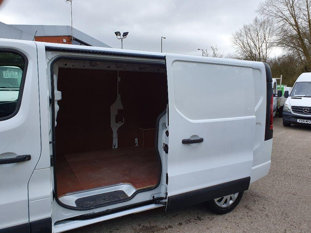 2018 Vauxhall Vivaro L2 H1 2900 1.6CDTI 120PS SPORTIVE EURO 6 (DN68YLT) Image 14
