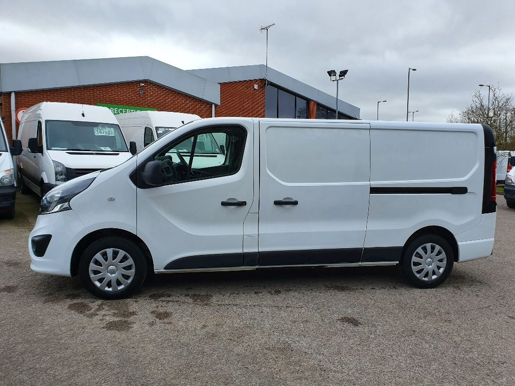 2018 Vauxhall Vivaro L2 H1 2900 1.6CDTI 120PS SPORTIVE EURO 6 (DN68YLT) Image 13