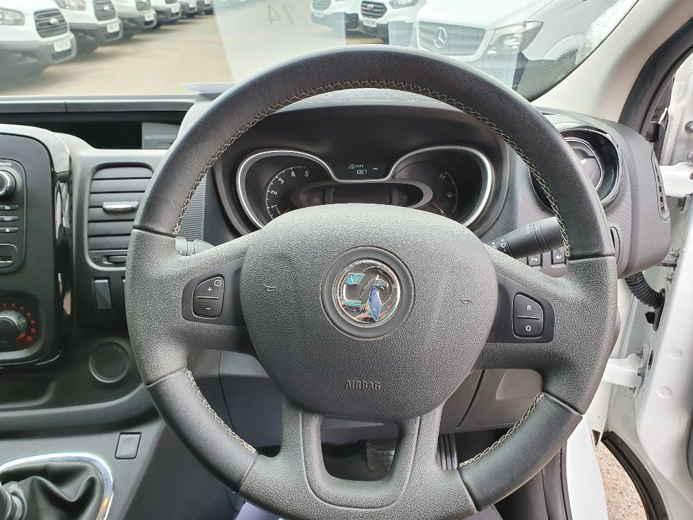 2018 Vauxhall Vivaro L2 H1 2900 1.6CDTI 120PS SPORTIVE EURO 6 (DN68YLT) Image 9
