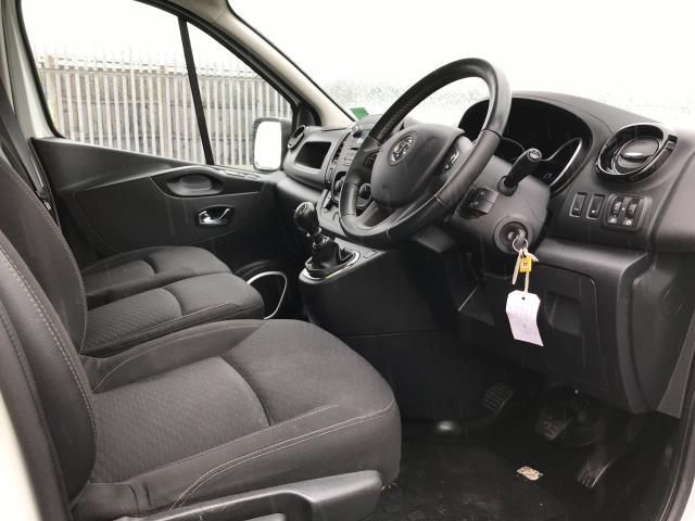2018 Vauxhall Vivaro 2900 L2 H1 1.6CDTI 120PS SPORTIVE EURO 6 (DN68YRD) Image 19