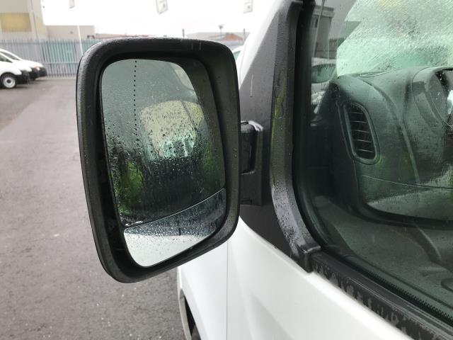 2018 Vauxhall Vivaro 2900 L2 H1 1.6CDTI 120PS SPORTIVE EURO 6 (DN68YRD) Image 34