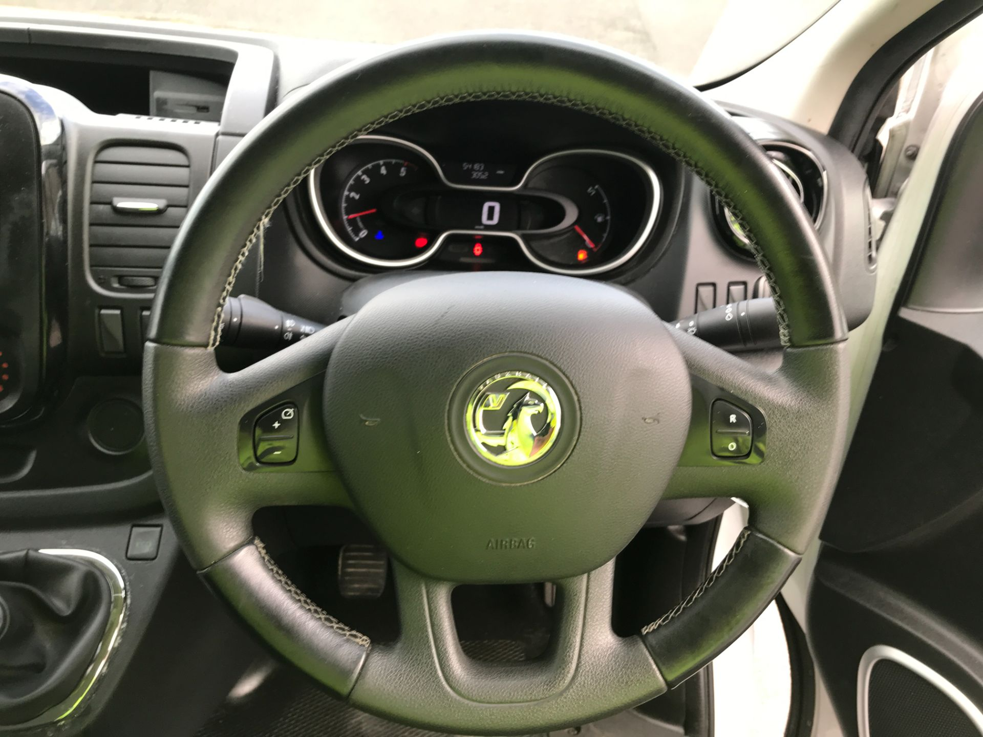 2018 Vauxhall Vivaro 2900 L2 H1 1.6CDTI 120PS SPORTIVE EURO 6 (DN68YRR) Image 5