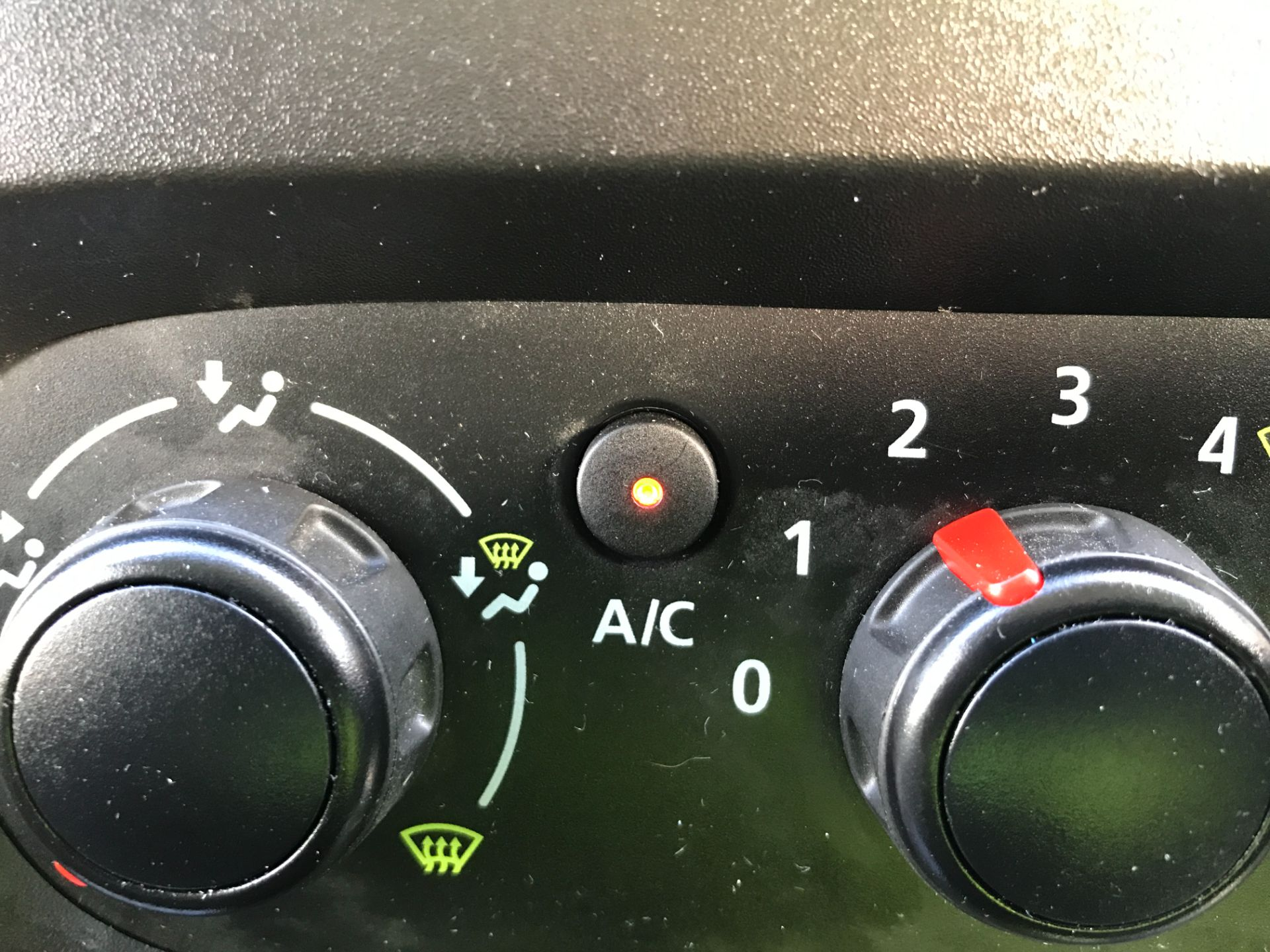 2018 Vauxhall Vivaro 2900 L2 H1 1.6CDTI 120PS SPORTIVE EURO 6 (DN68YRR) Image 25