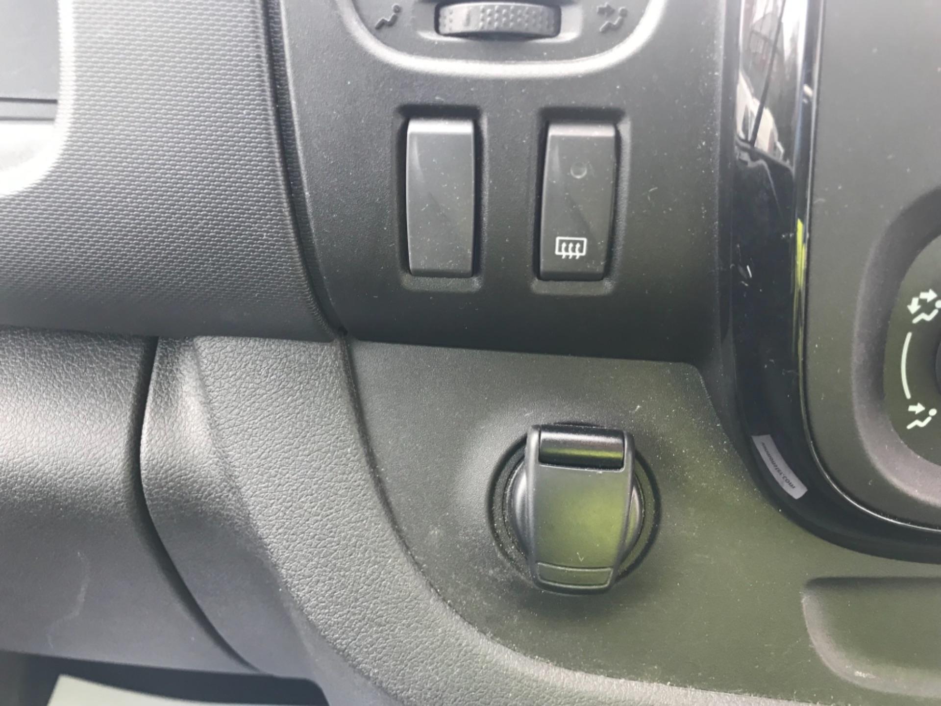 2018 Vauxhall Vivaro L2 H1 2900 1.6CDTI 120PS SPORTIVE EURO 6 (DN68YSU) Image 13