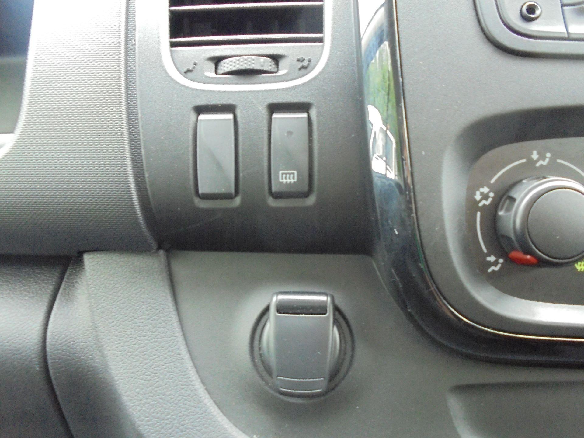 2018 Vauxhall Vivaro L2 H1 2900 1.6CDTI 120PS SPORTIVE EURO 6 (DN68YZL) Image 23