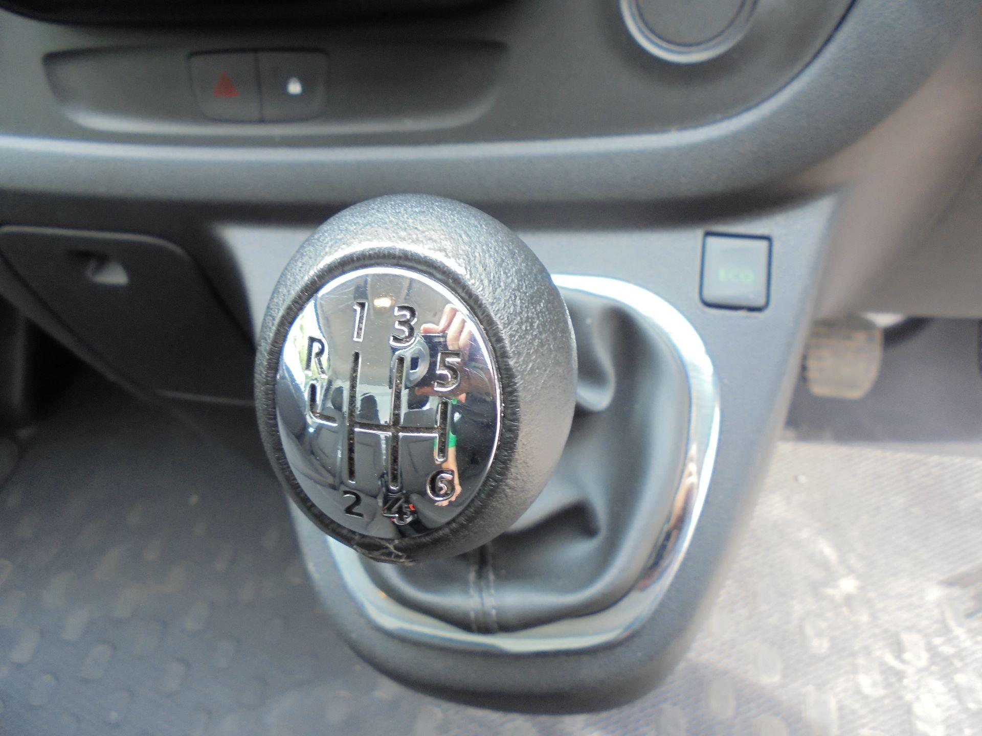 2018 Vauxhall Vivaro L2 H1 2900 1.6CDTI 120PS SPORTIVE EURO 6 (DN68YZL) Image 9