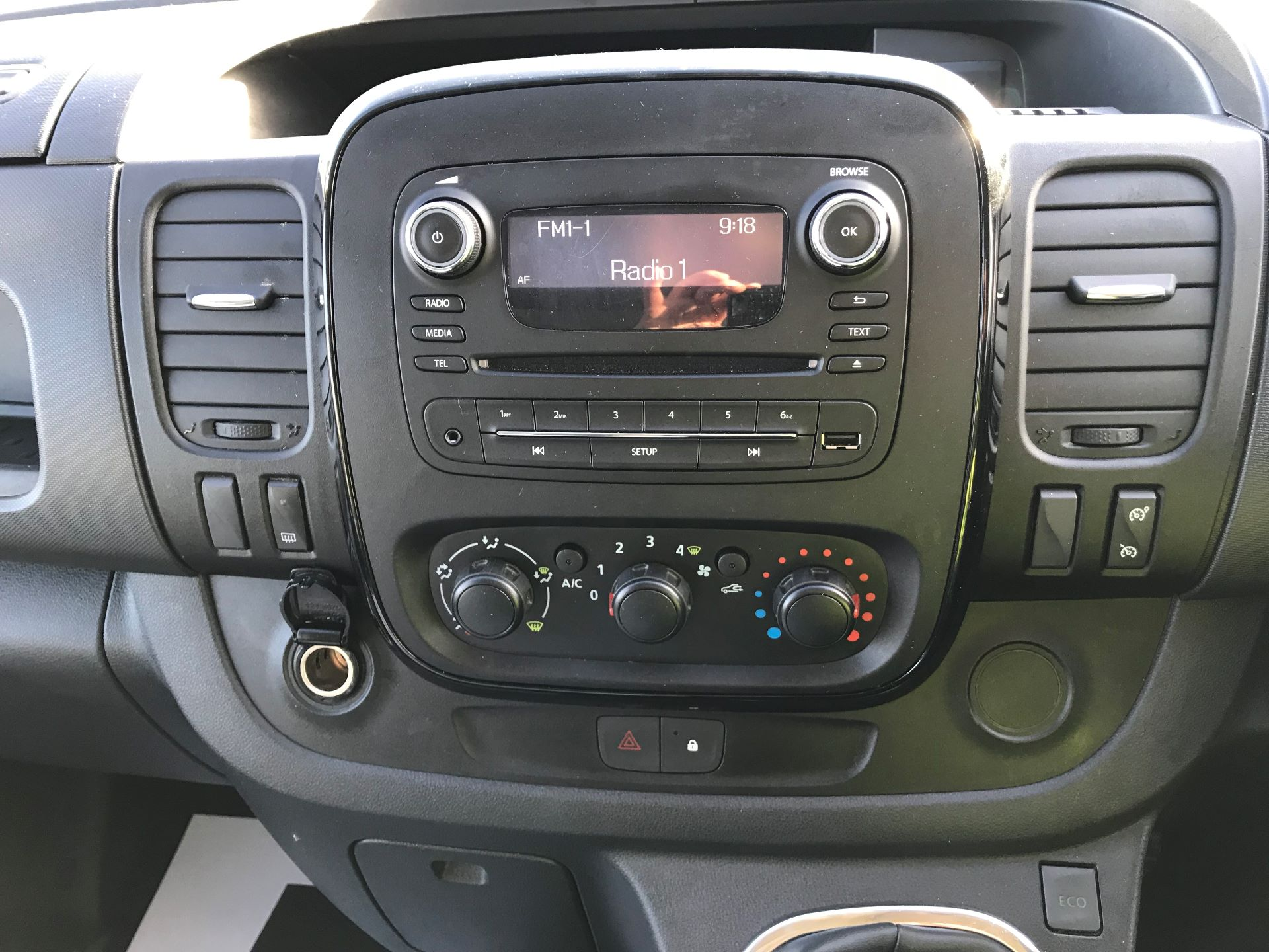 2018 Vauxhall Vivaro L2 H1 2900 1.6CDTI 120PS SPORTIVE EURO 6 (DN68YZY) Image 22