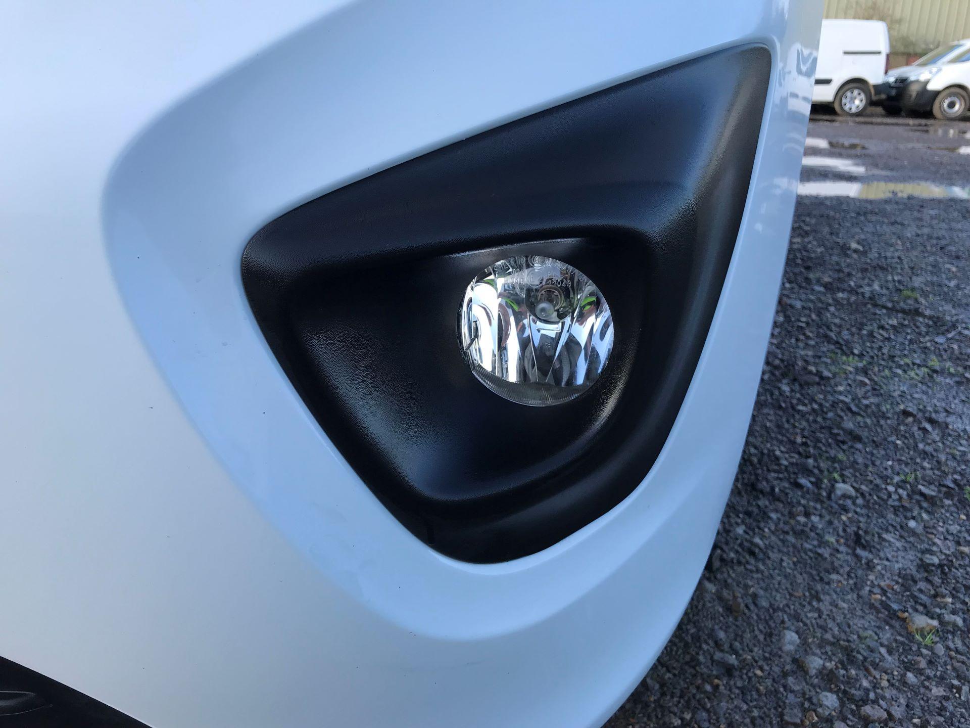 2018 Vauxhall Vivaro L2 H1 2900 1.6CDTI 120PS SPORTIVE EURO 6 (DN68YZY) Image 31