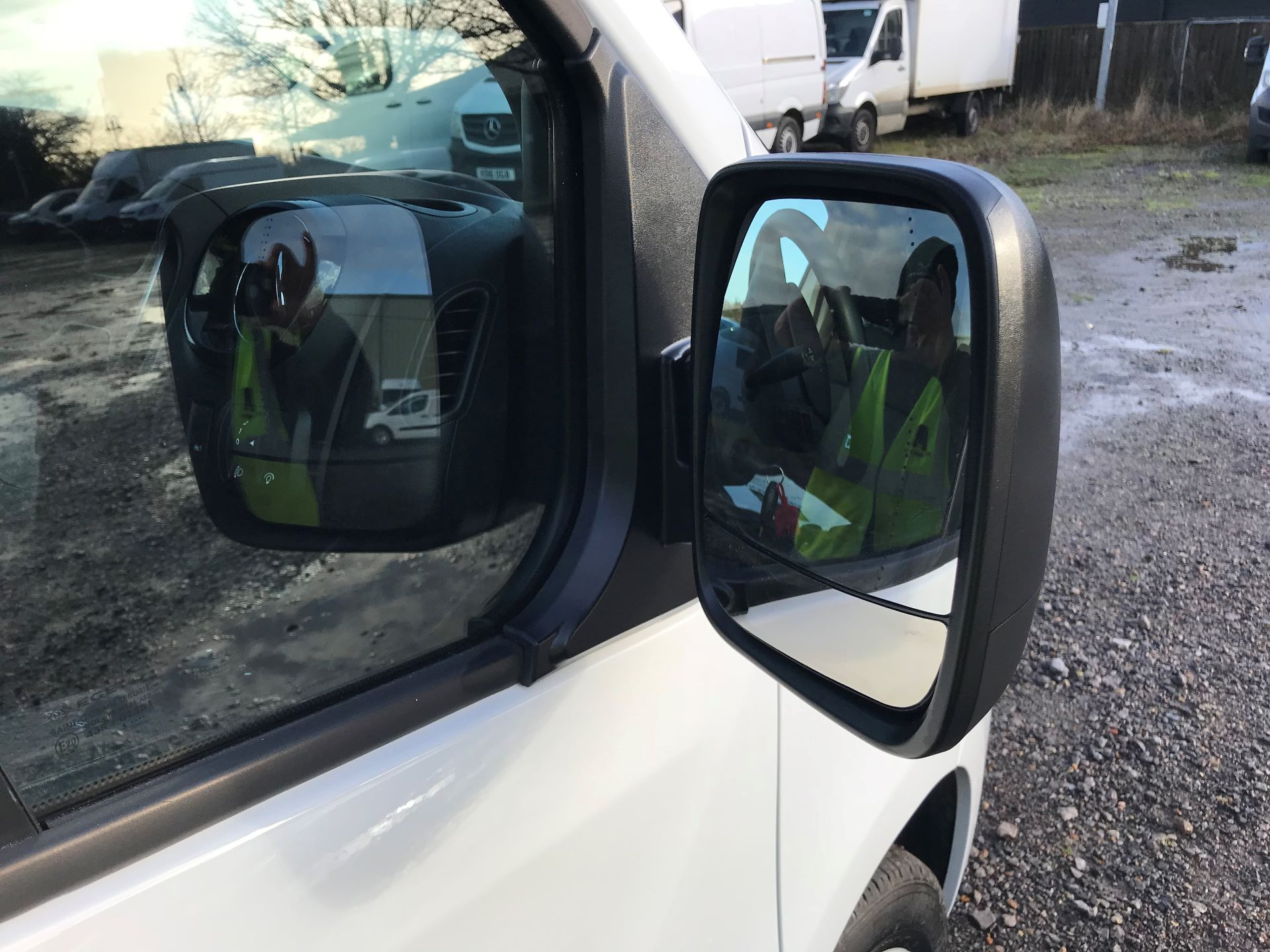2018 Vauxhall Vivaro L2 H1 2900 1.6CDTI 120PS SPORTIVE EURO 6 (DN68YZY) Image 26