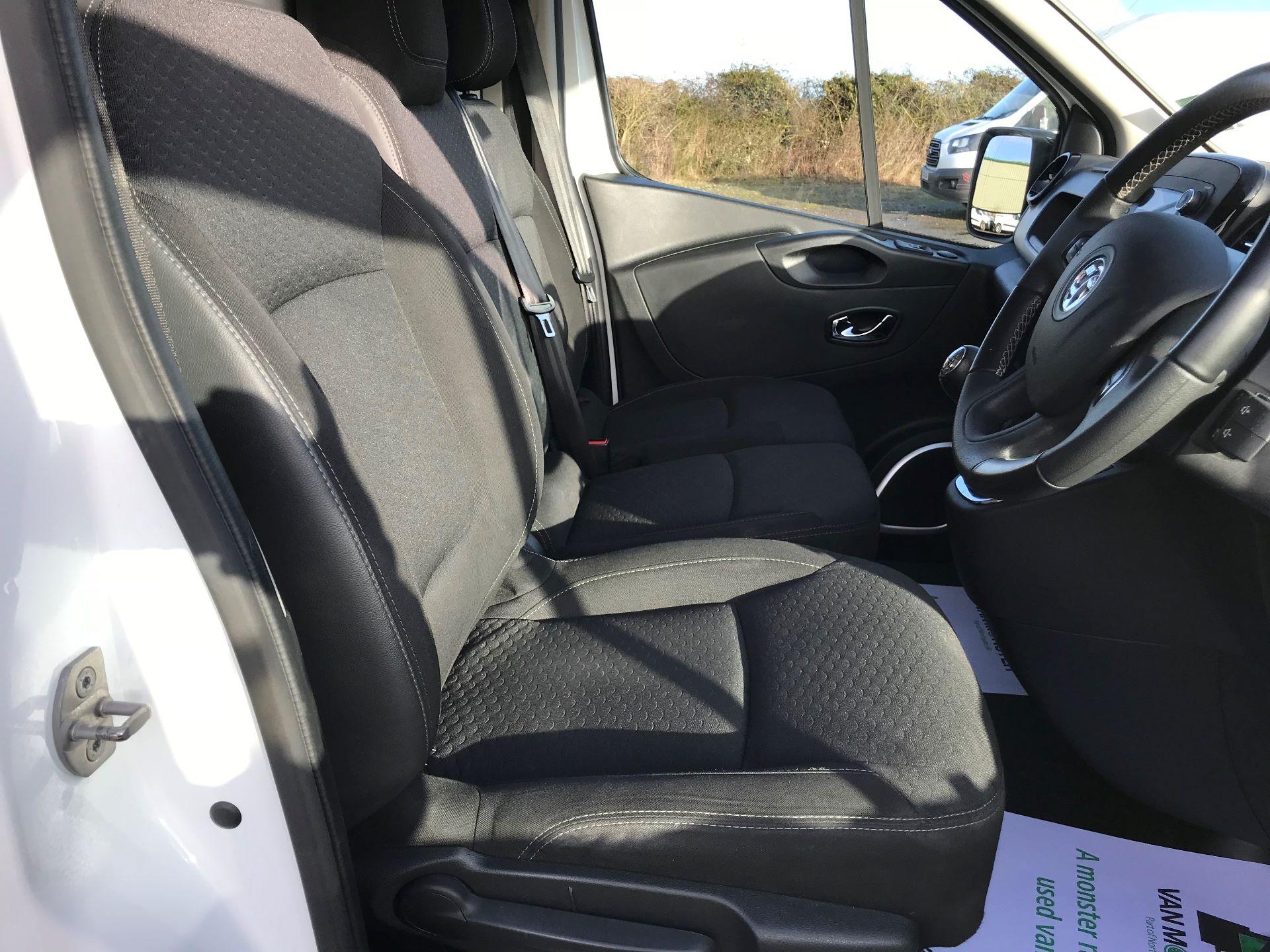 2018 Vauxhall Vivaro L2 H1 2900 1.6CDTI 120PS SPORTIVE EURO 6 (DN68YZY) Image 16