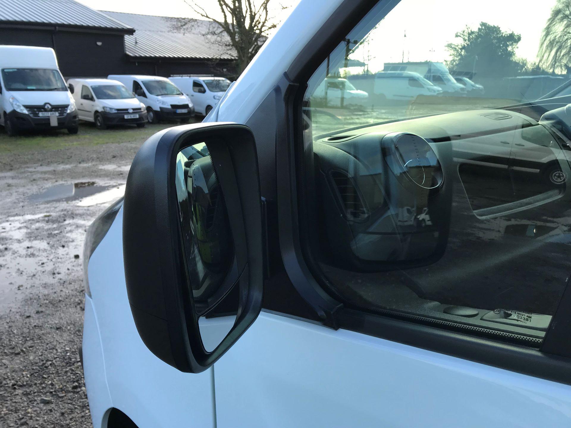 2018 Vauxhall Vivaro L2 H1 2900 1.6CDTI 120PS SPORTIVE EURO 6 (DN68YZY) Image 27