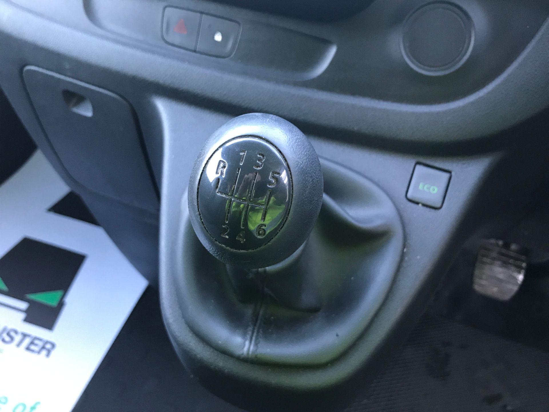 2017 Vauxhall Vivaro 2900 L2 H1 1.6CDTI 120PS EURO 6 (DP17UJB) Image 4