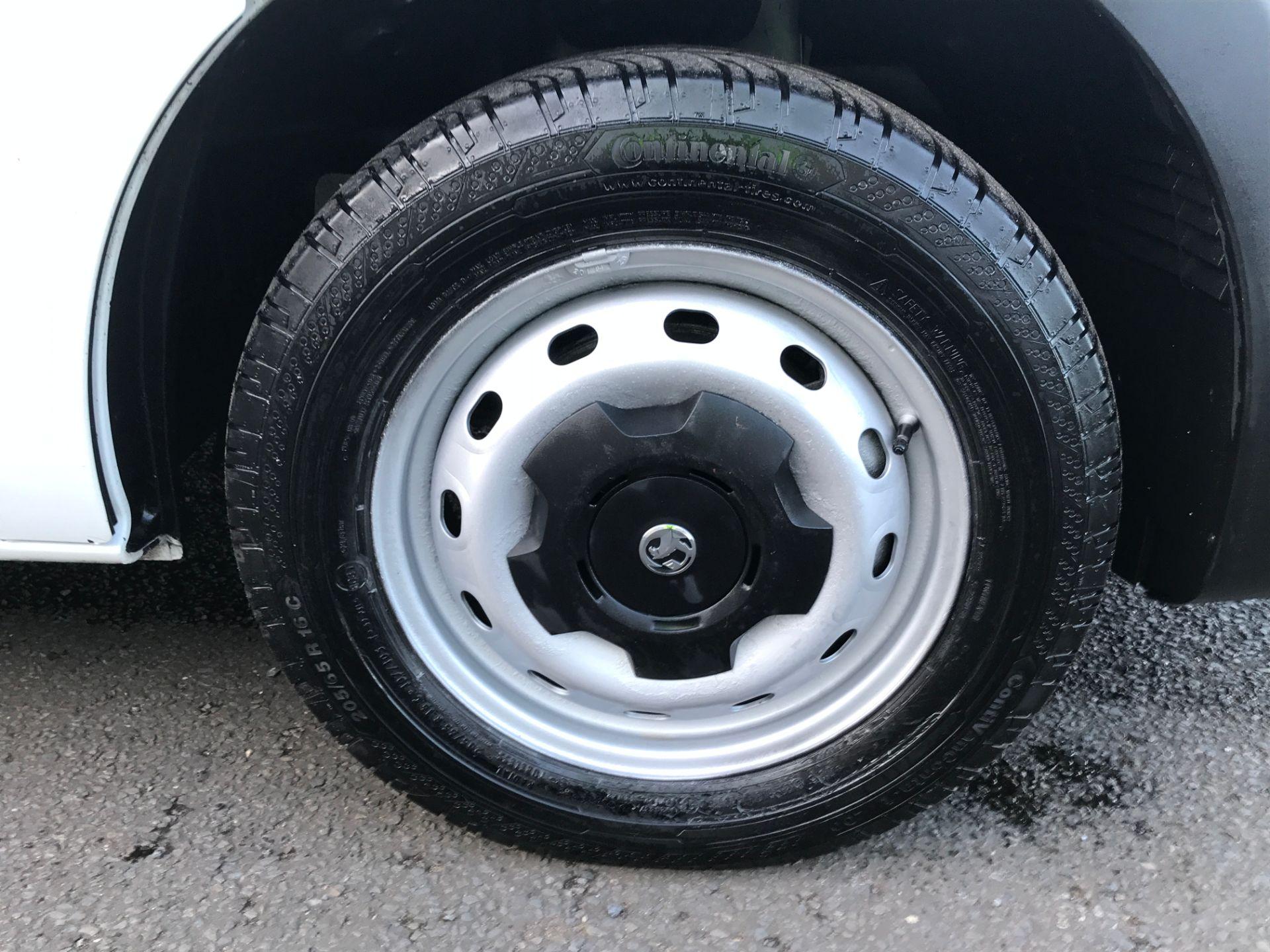 2017 Vauxhall Vivaro 2900 L2 H1 1.6CDTI 120PS EURO 6 (DP17UJB) Image 15