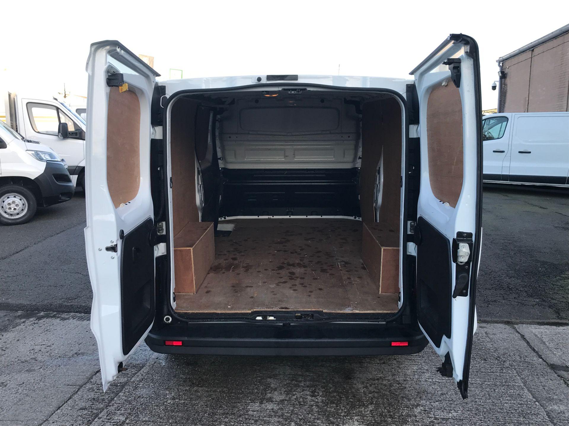 2017 Vauxhall Vivaro 2900 L2 H1 1.6CDTI 120PS EURO 6 (DP17UJB) Image 16