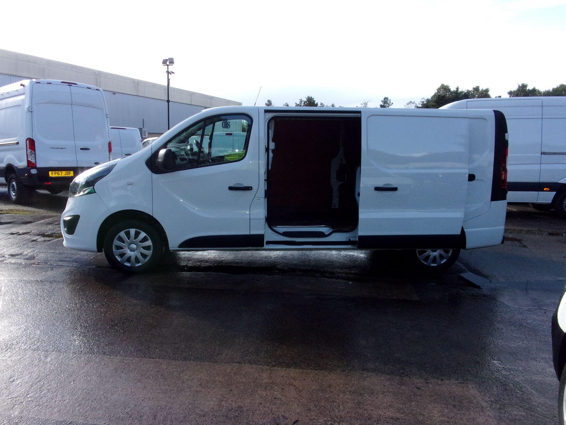 2018 Vauxhall Vivaro L2 H1 2900 1.6 CDTI  (DP18UXR) Image 22