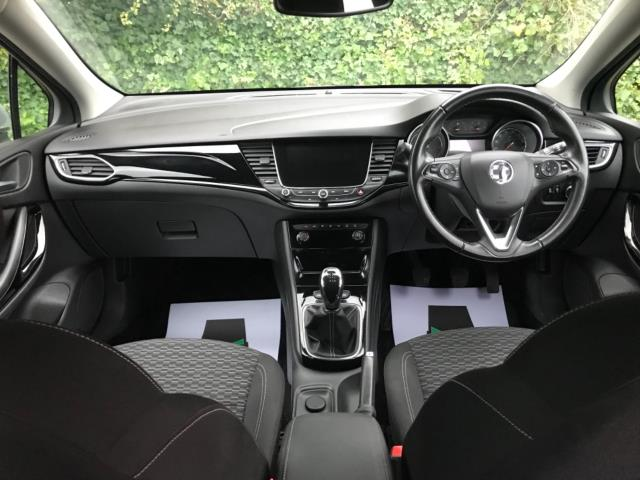 2018 Vauxhall Astra 1.6 Cdti 16V 136 Sri Nav 5Dr (DP18VCD) Image 14